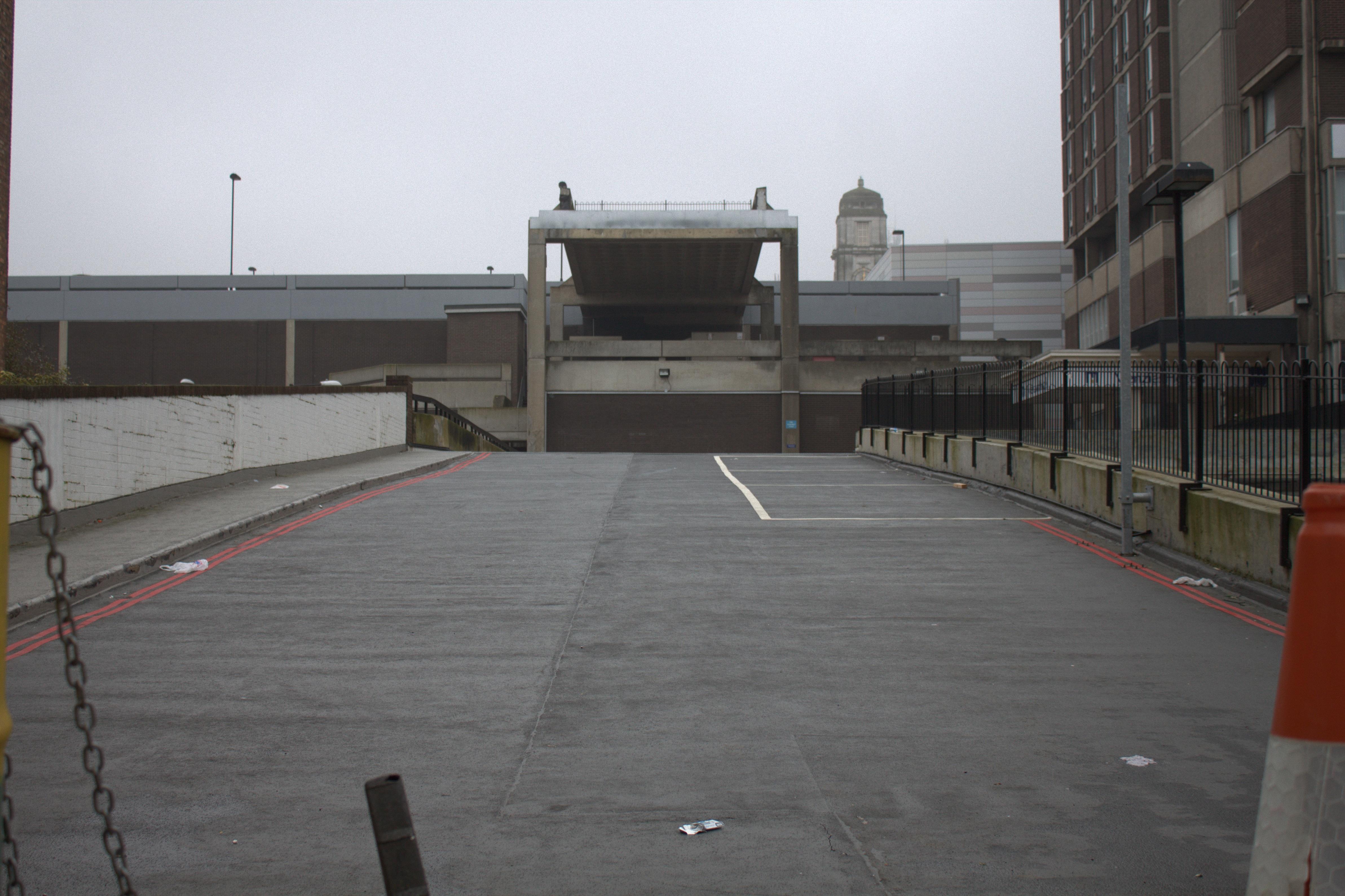 Bildet : tak, parkering, by, asfalt, gangvei, lane, stadion, parkeringsplass, arena, veidekke ...