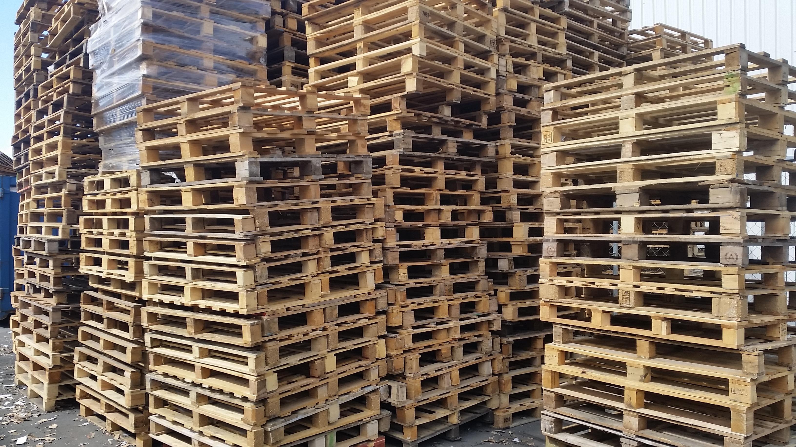 Structure Wood Beam Shop Industrial Brick Lumber Storage Woods Scaffolding  Pallet Manufactures Brickwork Logistics Logistic Man