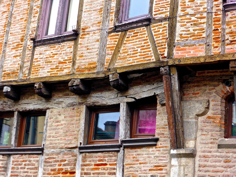 Images gratuites structure bois maison fen tre ville for Balcon facade maison