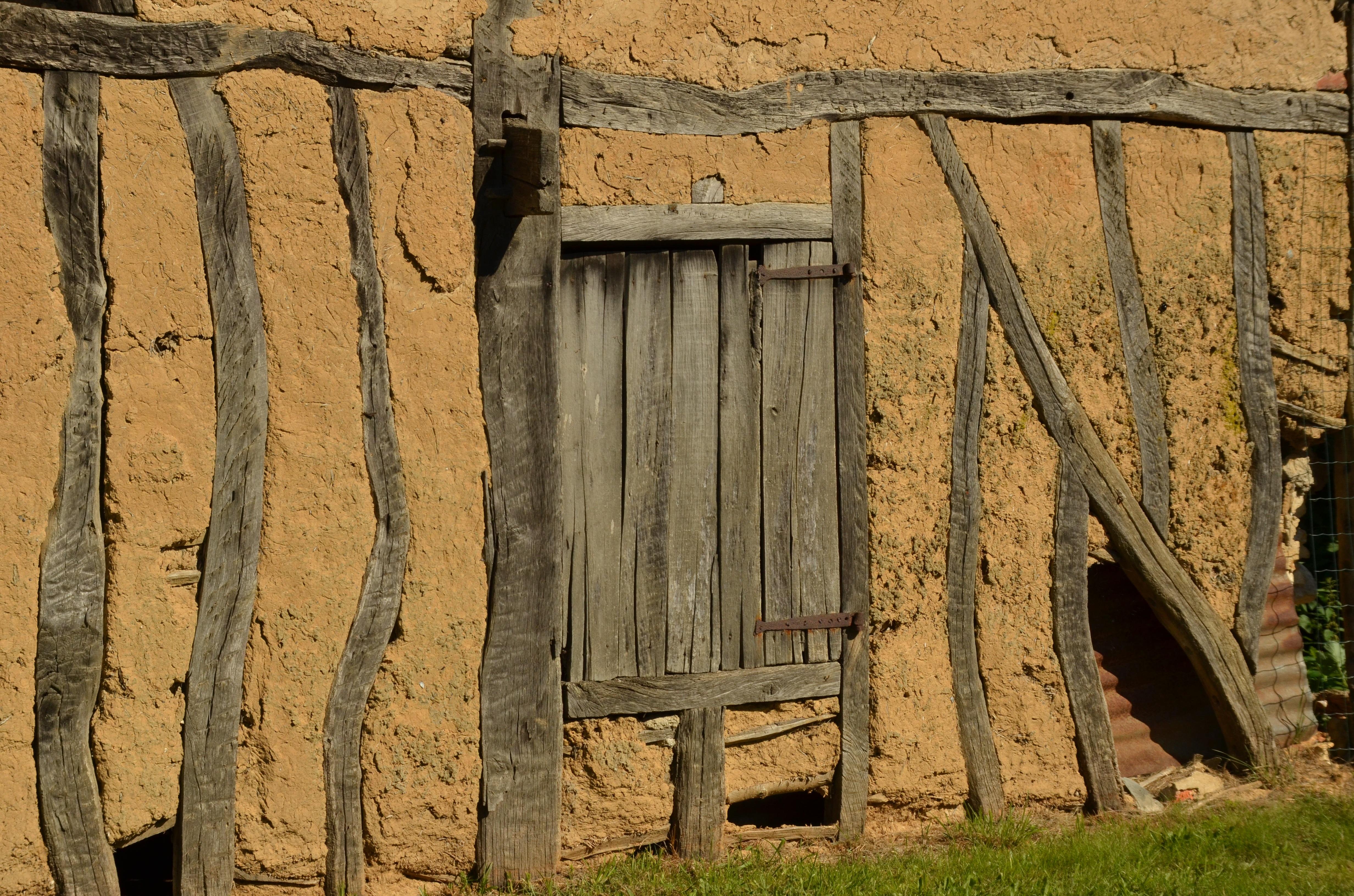 Fotos gratis : estructura, madera, antiguo, pared, bar, choza ...