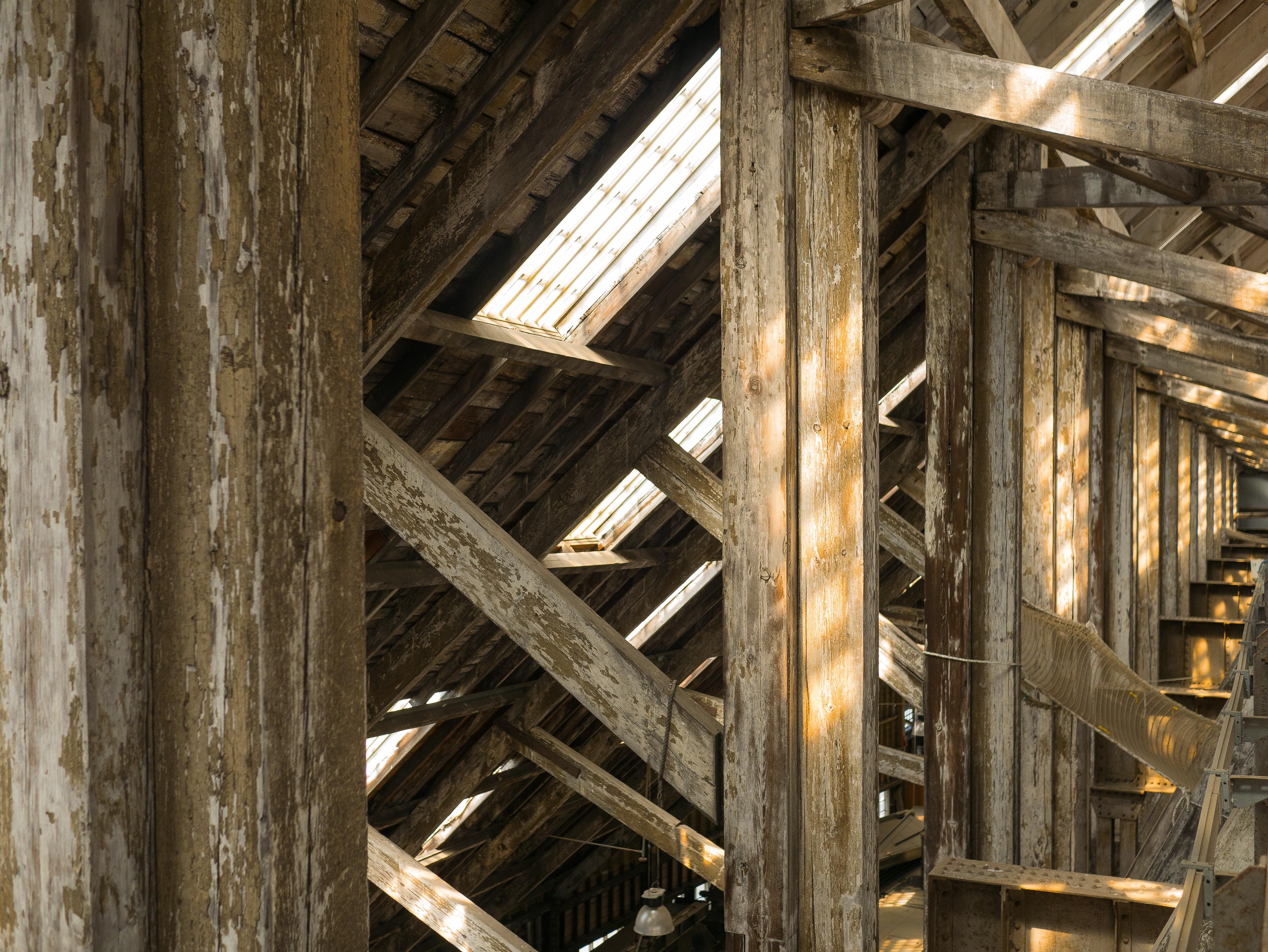 Gratis afbeeldingen : structuur hout dak schuur balk plafond