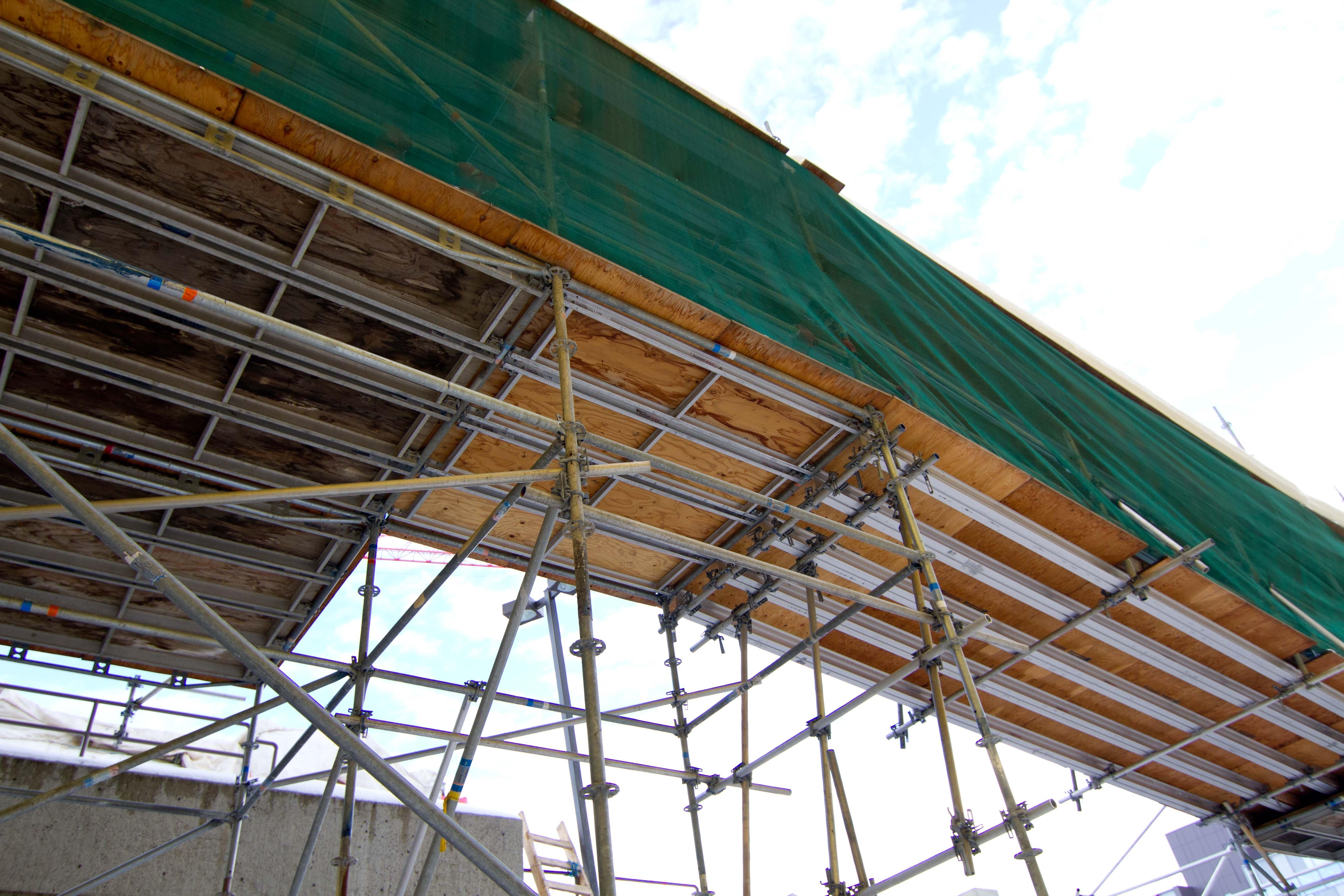 Gambar Atap Gudang Gang Balok Konstruksi Kanopi Peron Penglihatan Perancah Kayu Lapis Pencahayaan Struktur Luar Ruangan Penimbunan 5184x3456 1041160 Galeri Foto Pxhere