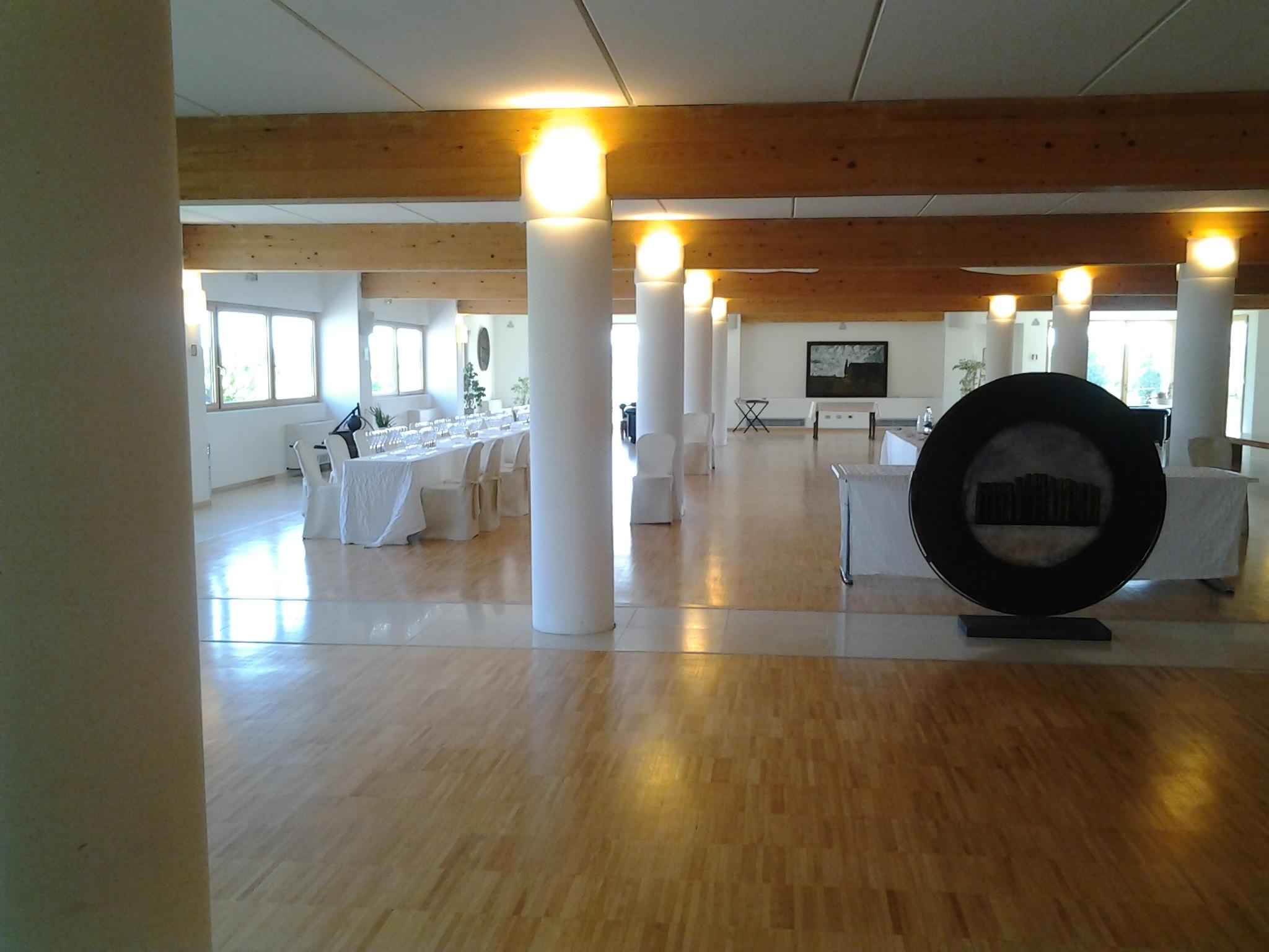 무료 이미지 : 구조, 목재, 포도주, 천장, 재산, 거실, 방, 조명 ...