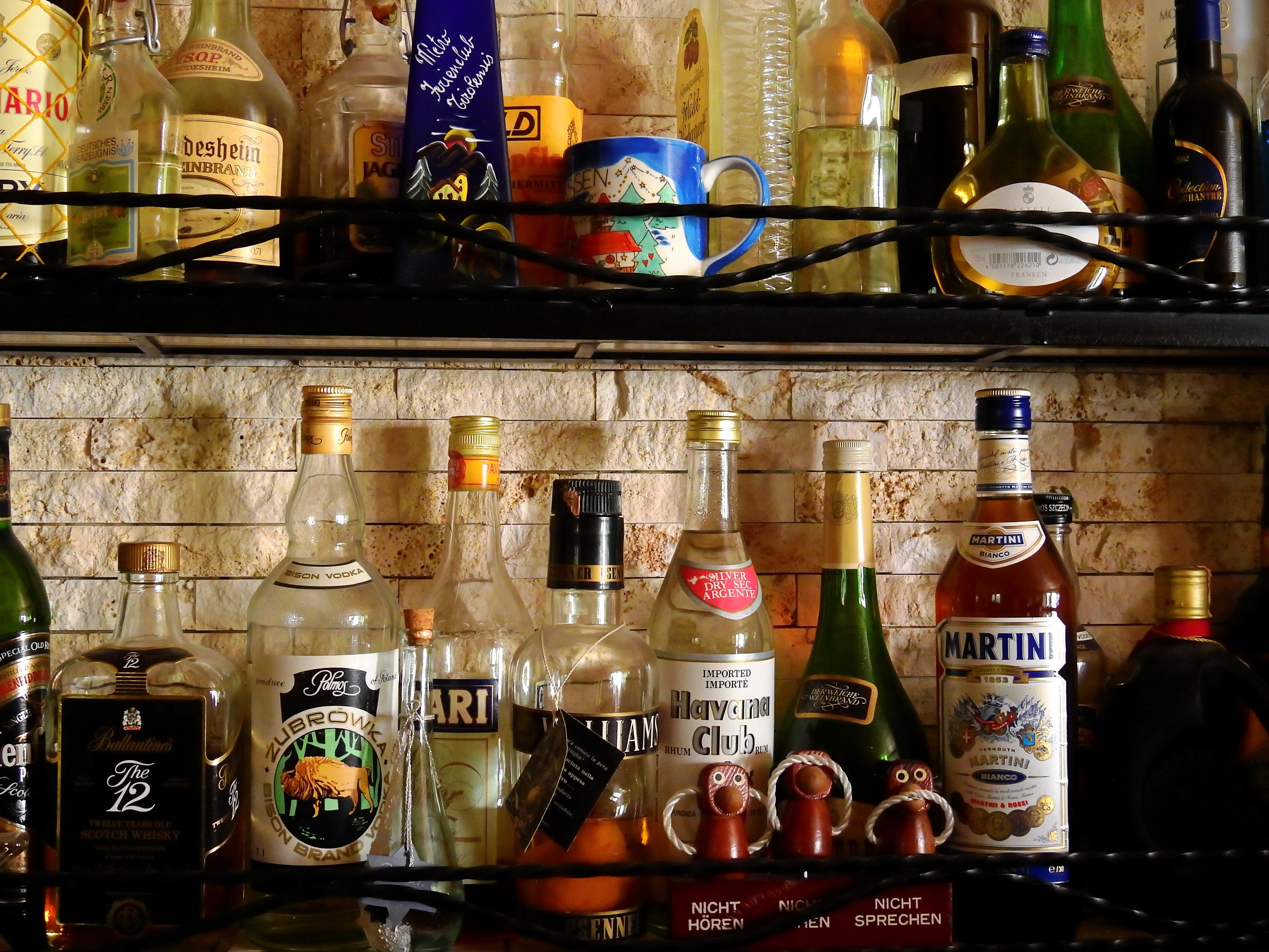 Kostenlose foto : Sommer-, Bar, Bier, Alkohol, Alkoholische ...