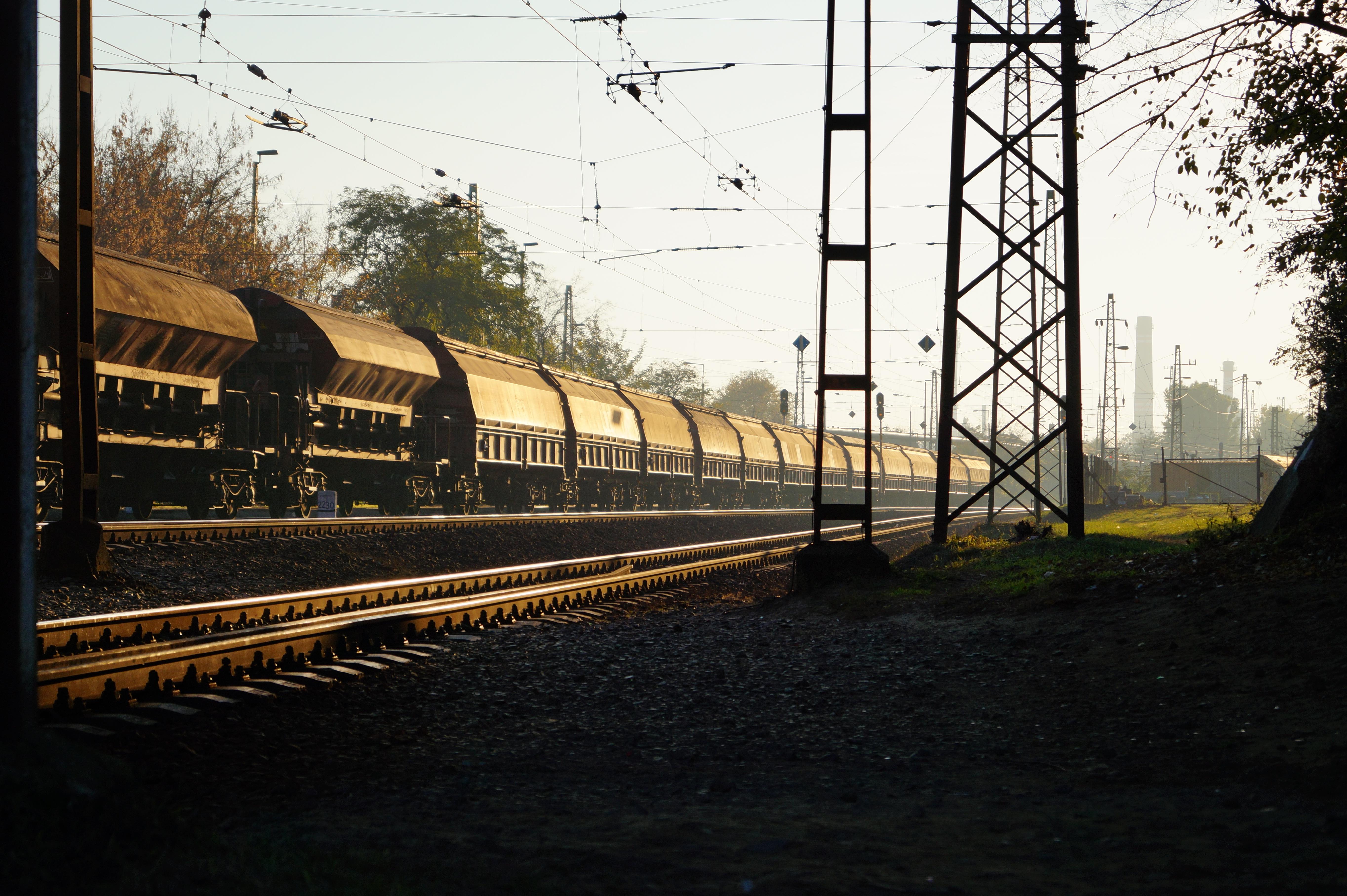 Kostenlose foto : Sonne, Spur, Eisenbahn, Sonnenuntergang, Wagen ...