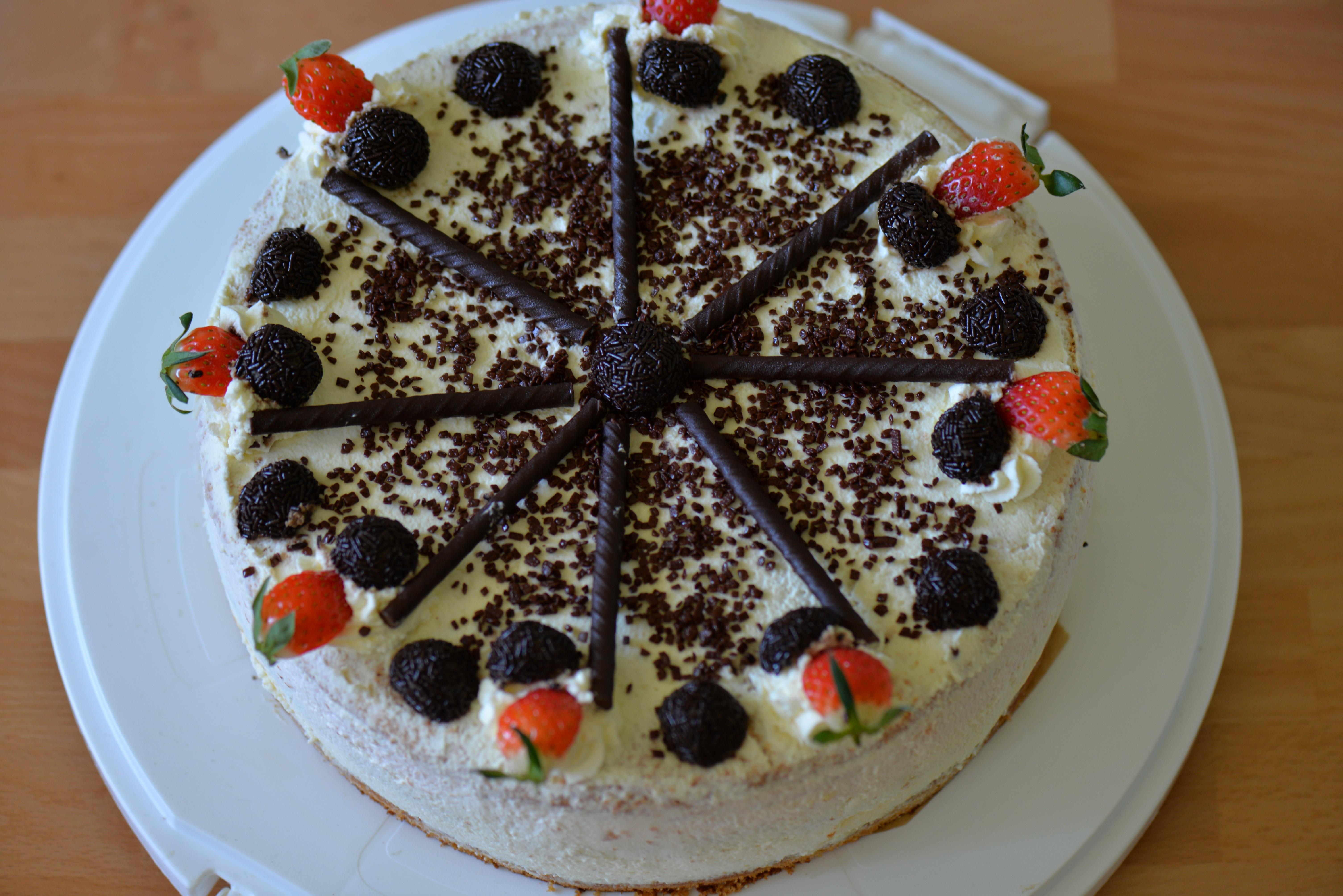 dulce decoracin plato comida chocolate postre crema pastel ornamento pastel de cumpleaos crema batida imagen genial