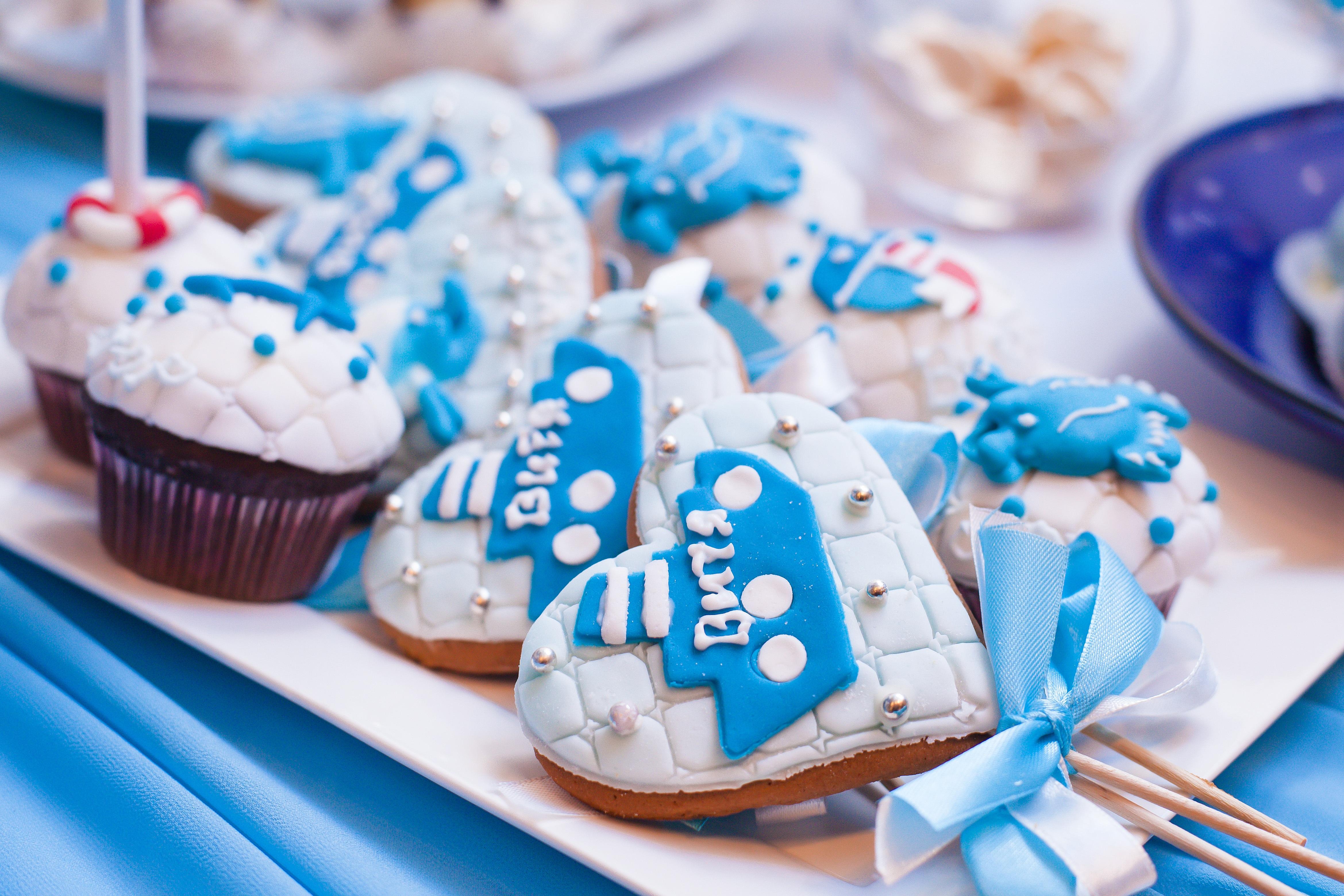 Free Images : sweet, dish, kitchen, blue, closeup, cupcake, baking ...