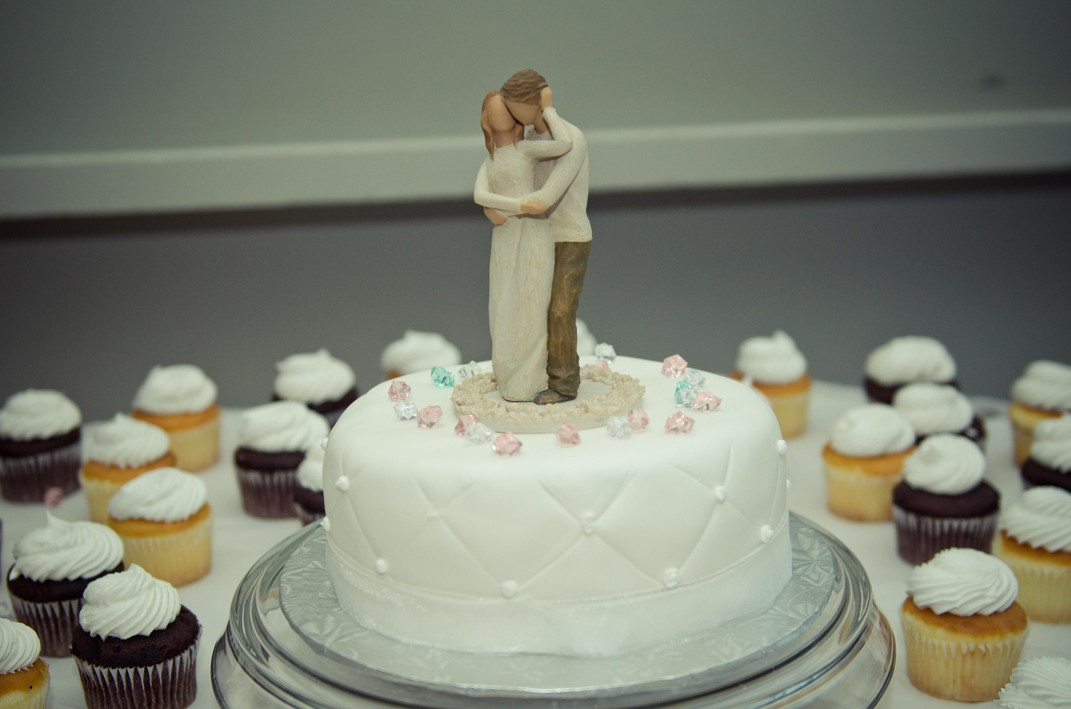 fotos gratis dulce comida postre boda formacin de hielo fondant sombrero de copa dulzura pastel de boda torta pasta de azcar