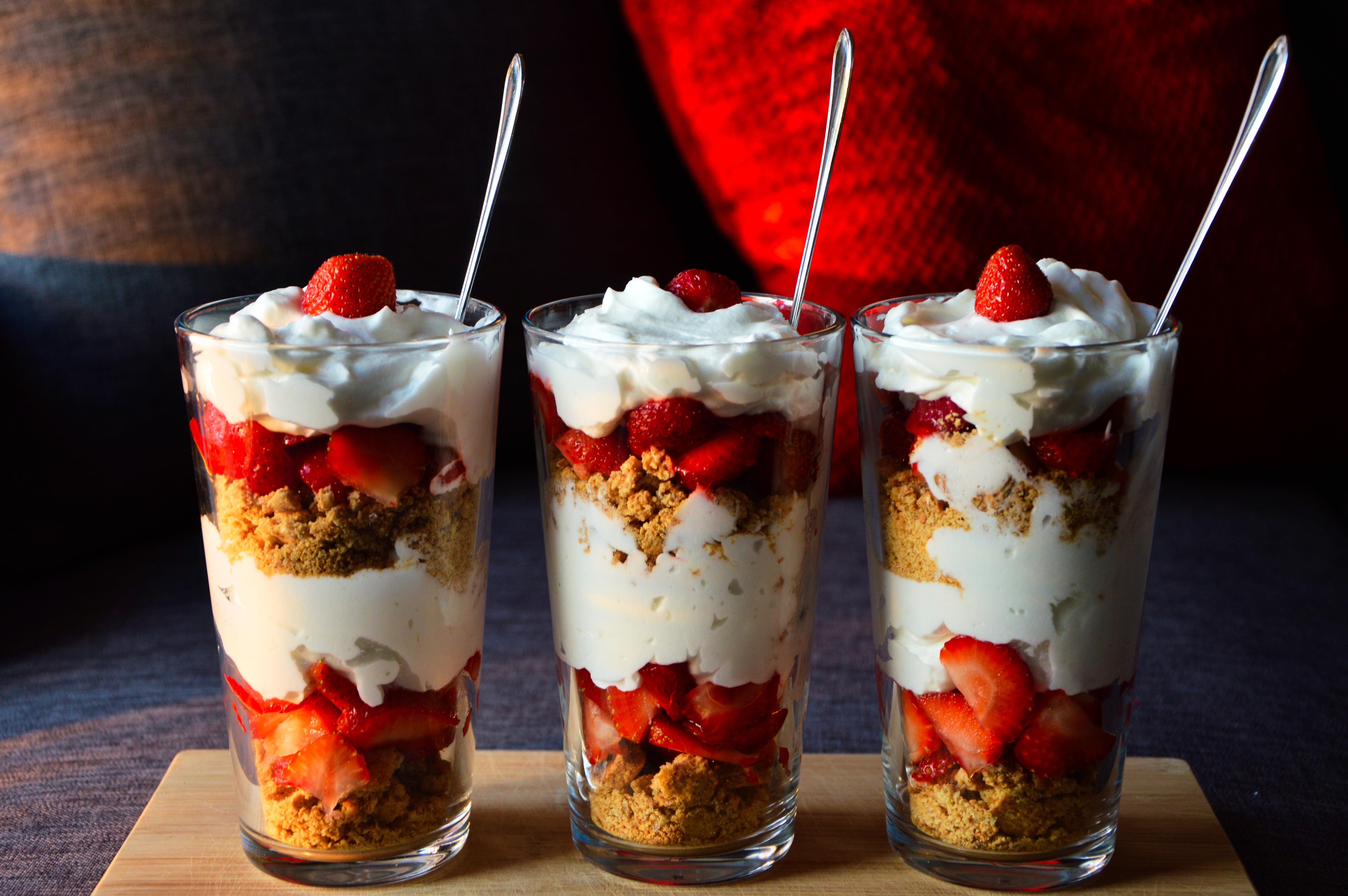 Десерт в стакане слоями рецепт с фото