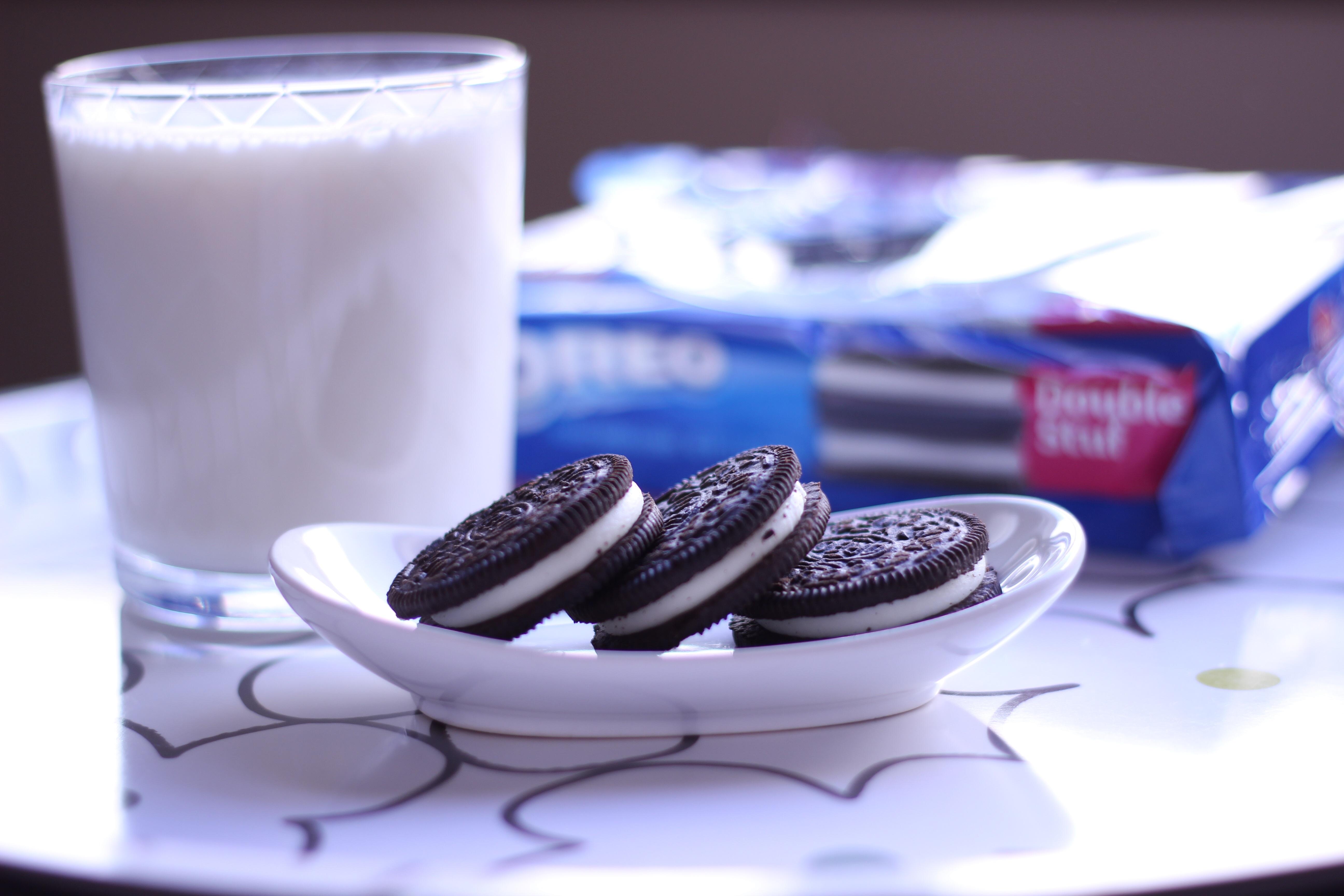 использование картинки орео в молоке год