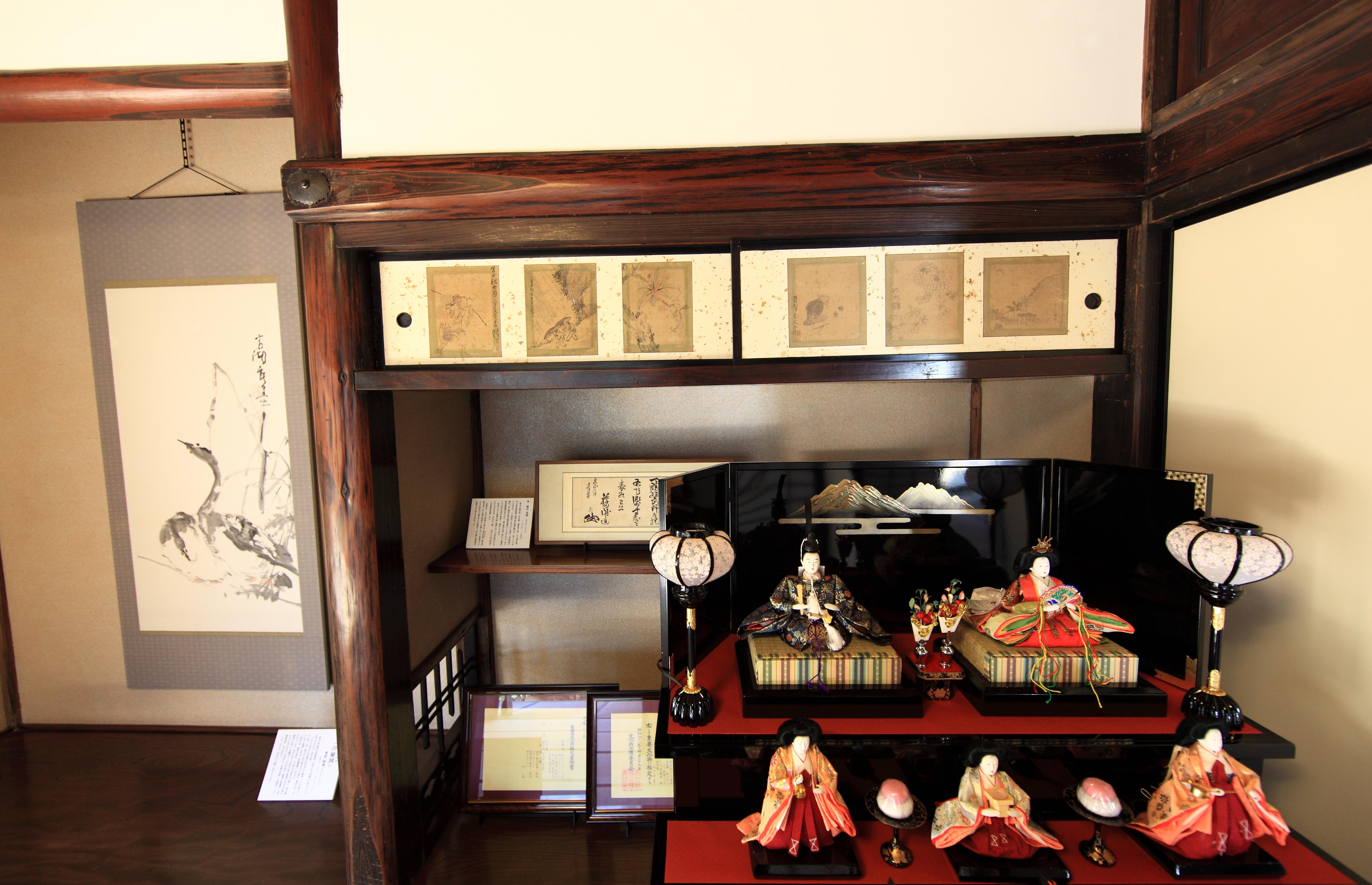 Gambar Meja Arsitektur Kayu Rumah Tinggi Kuno Tempat Tinggal