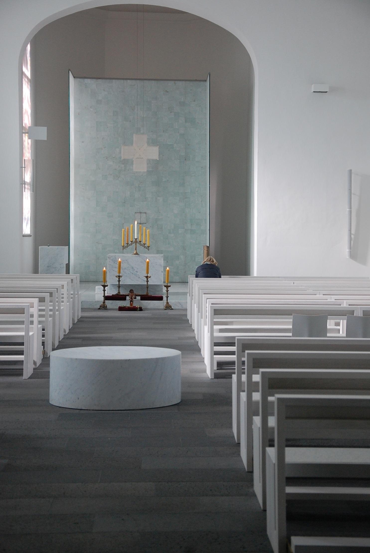 Fotos gratis mesa arquitectura madera blanco piso for Diseno de iluminacion de interiores