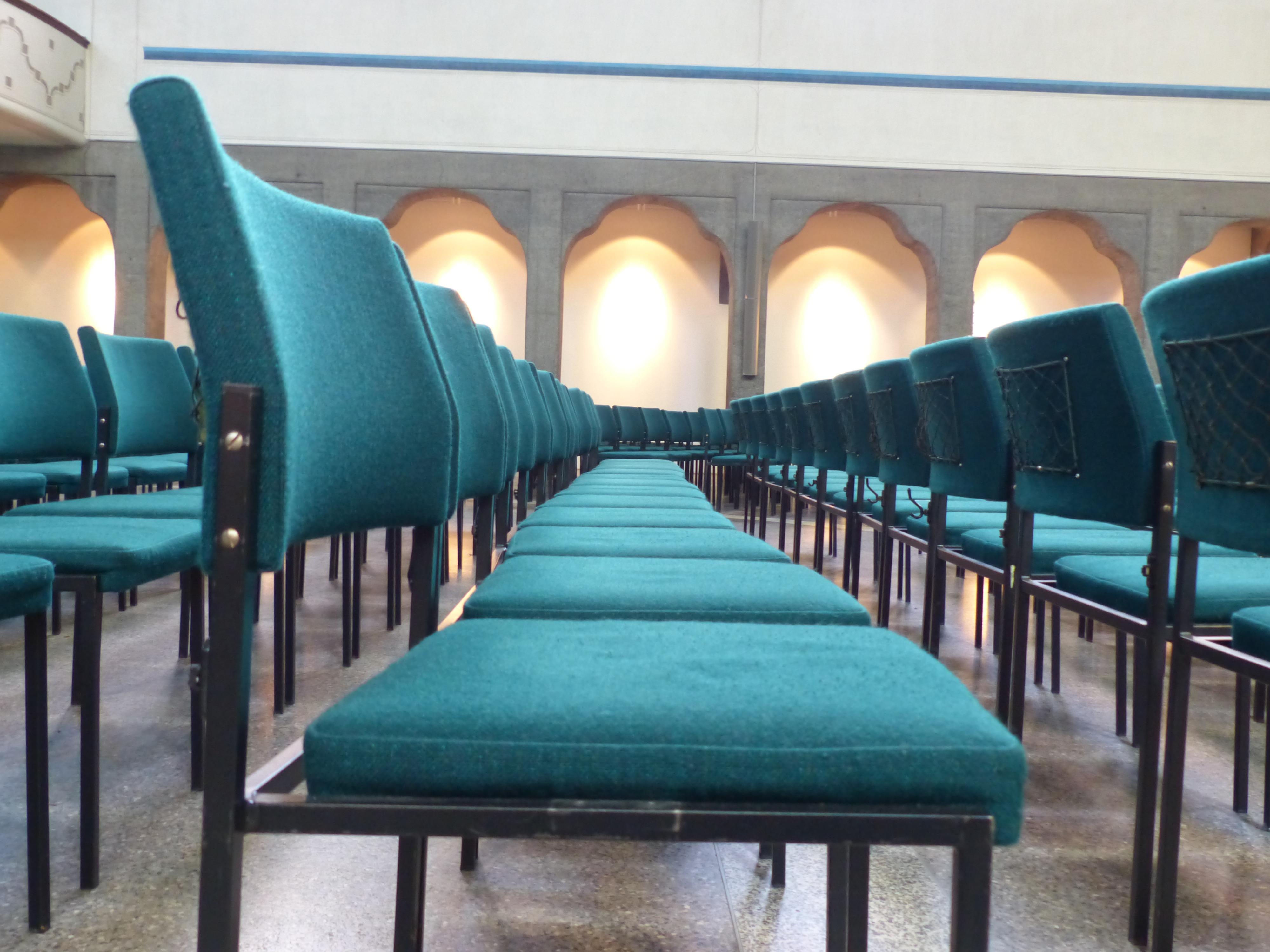 Kostenlose foto : Tabelle, Auditorium, Sessel, Sitz, Grün, Halle ...