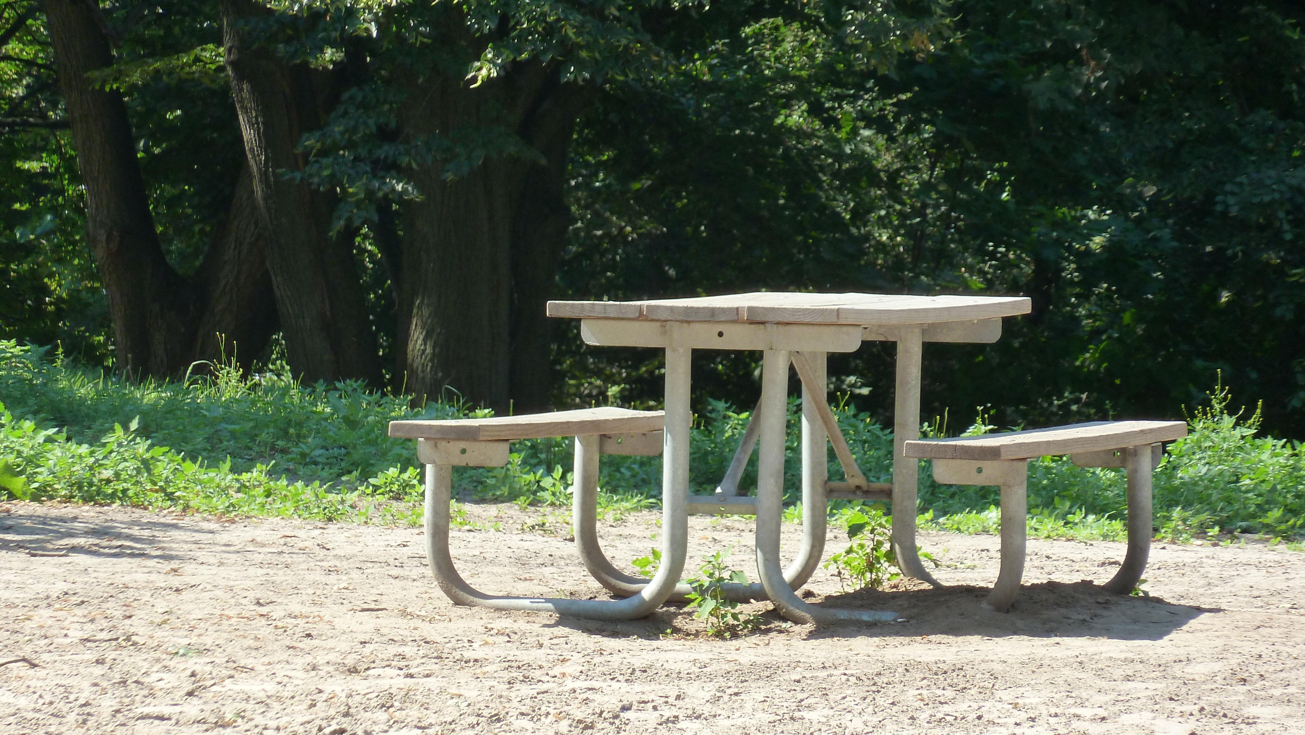 Fotos gratis : mesa, banco, silla, verano, escénico, parque, patio ...