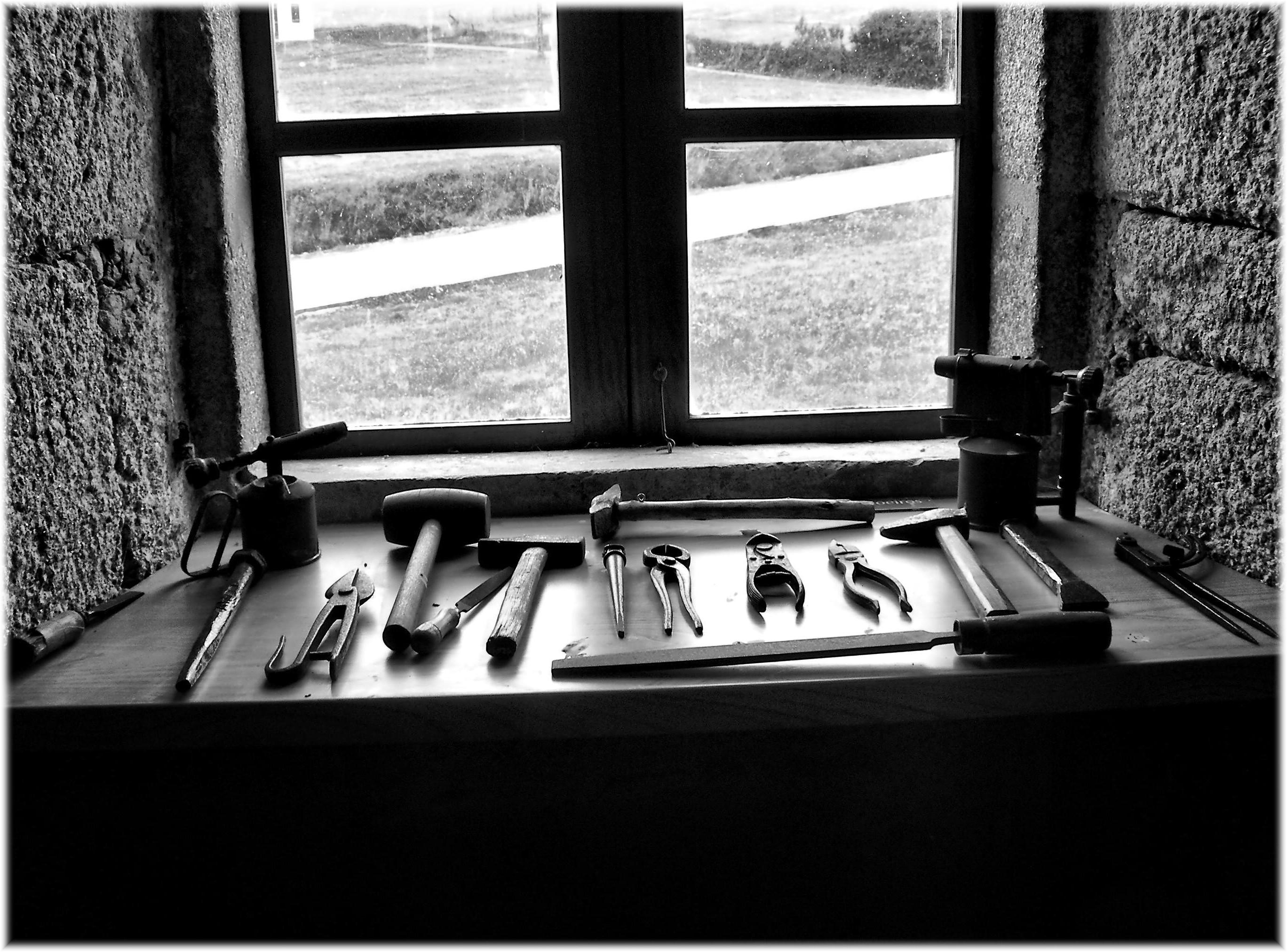 Fotos gratis mesa en blanco y negro interior ventana for Disenos de interiores en blanco y negro