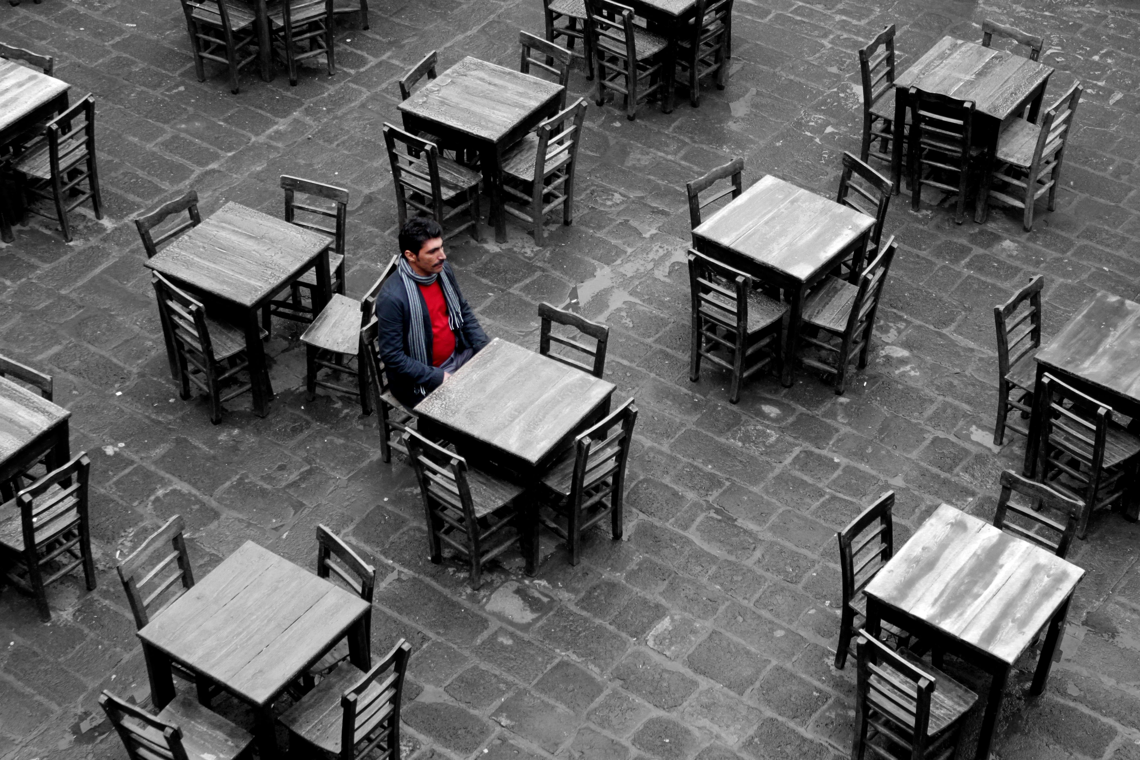 Fotos Gratis Mesa En Blanco Y Negro Retrato Rojo Mueble  # Muebles Soledad
