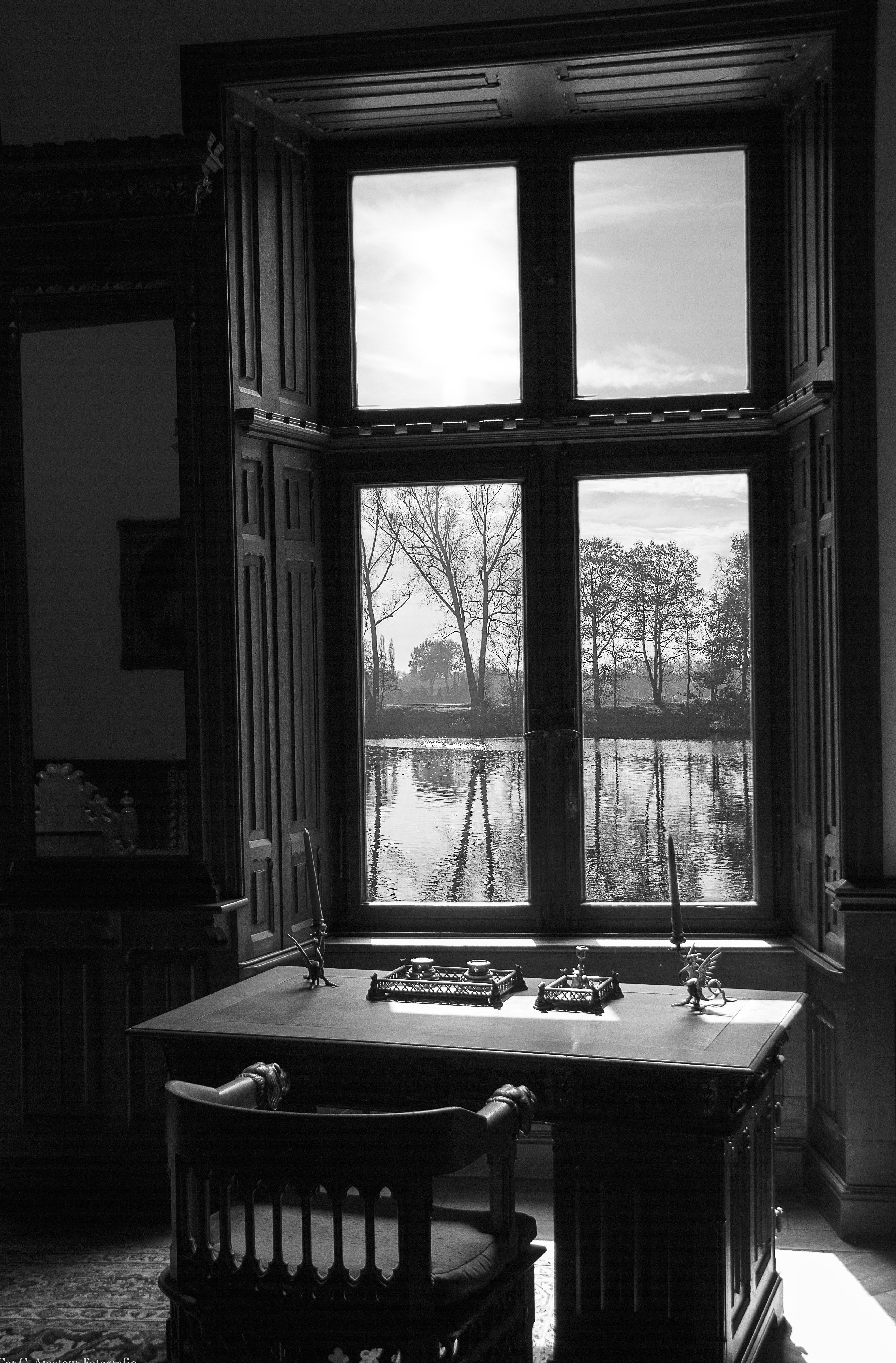 mesa en blanco y negro blanco casa silla ventana casa sala negro mueble habitacin monocromo iluminacin