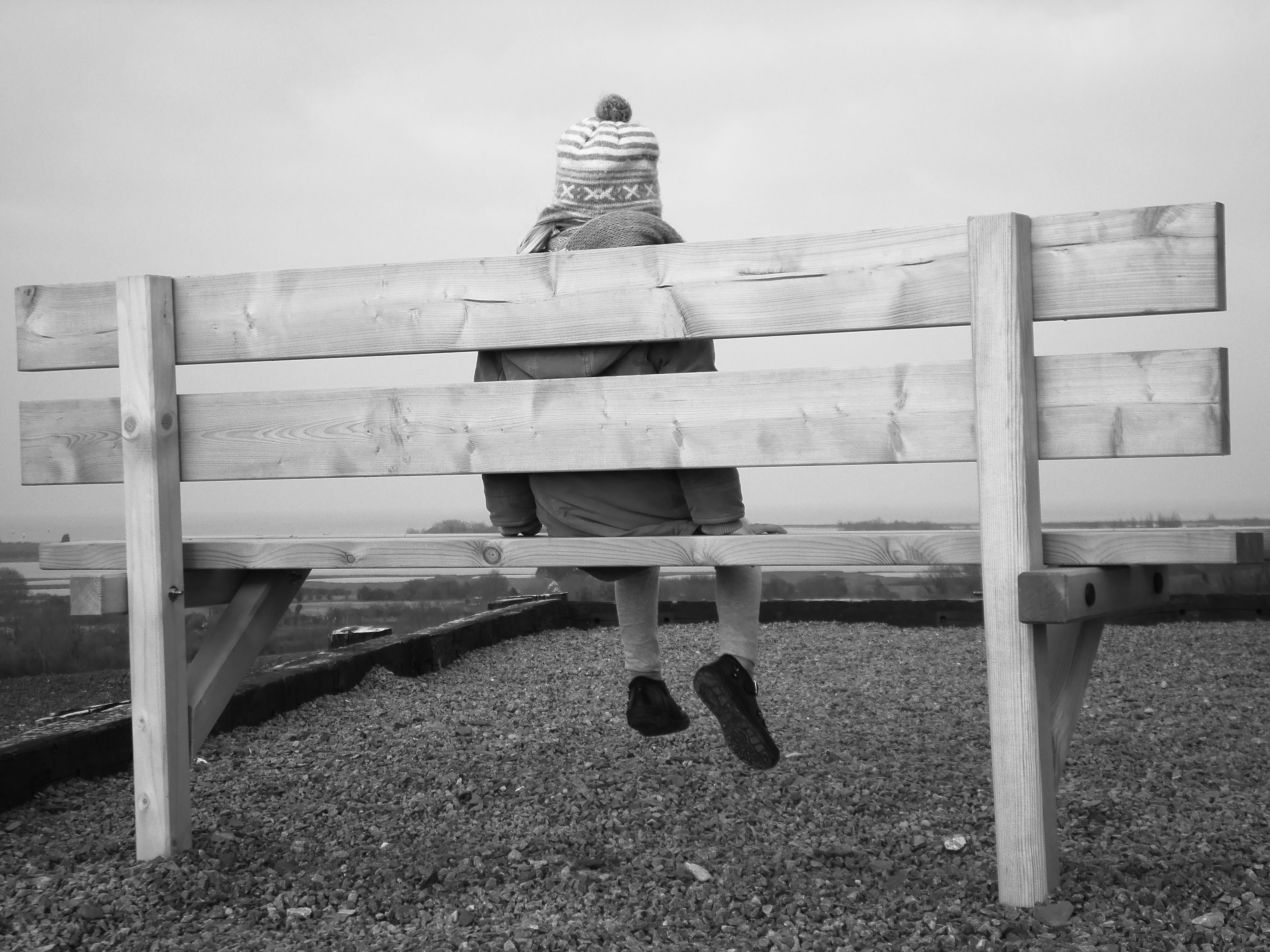 Meja Hitam Dan Putih Kayu Gadis Bangku Fotografi Kursi Anak Mebel Satu Warna Patung