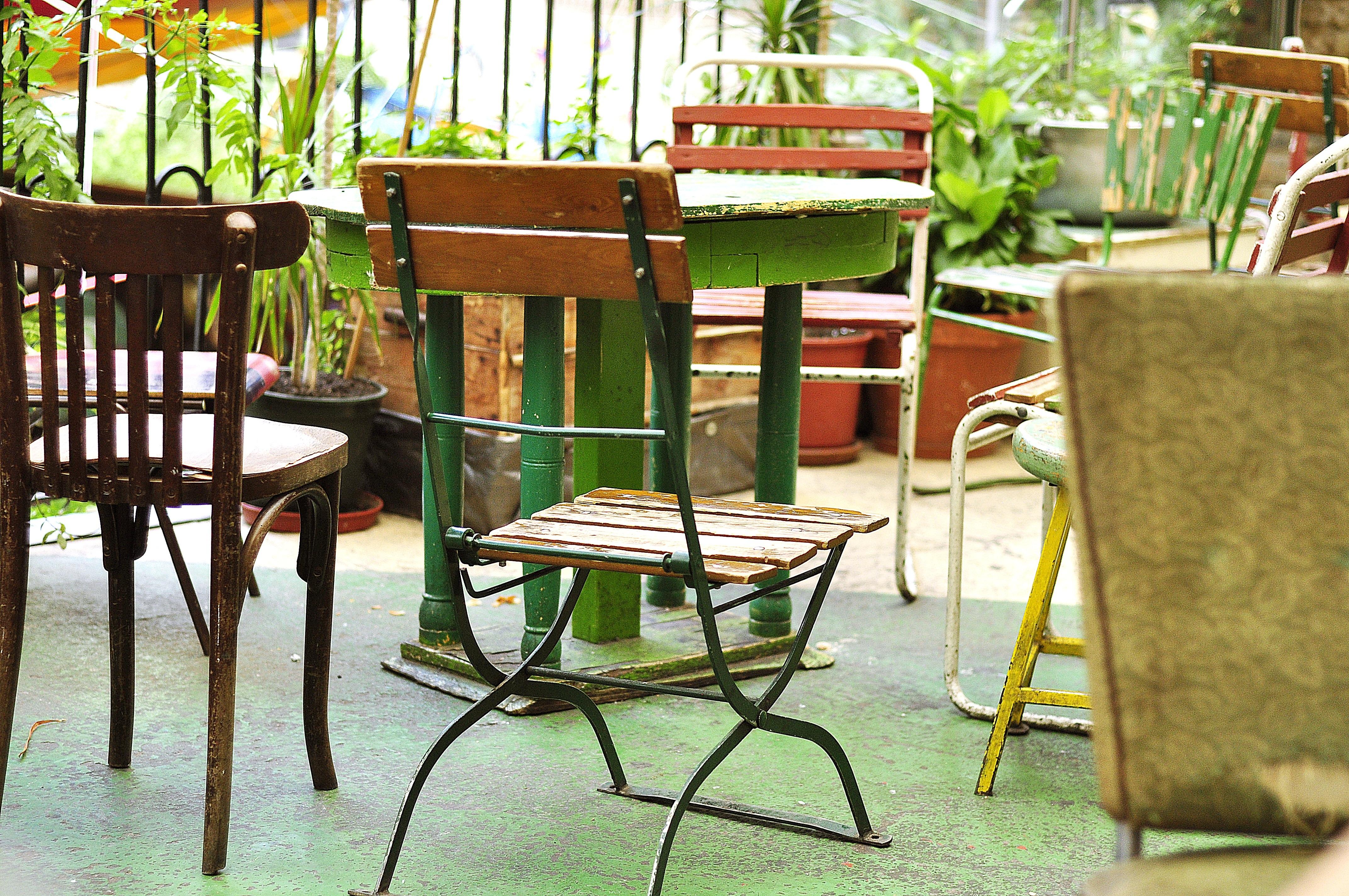 Fotos gratis : mesa, cafetería, madera, silla, bar, mueble ...