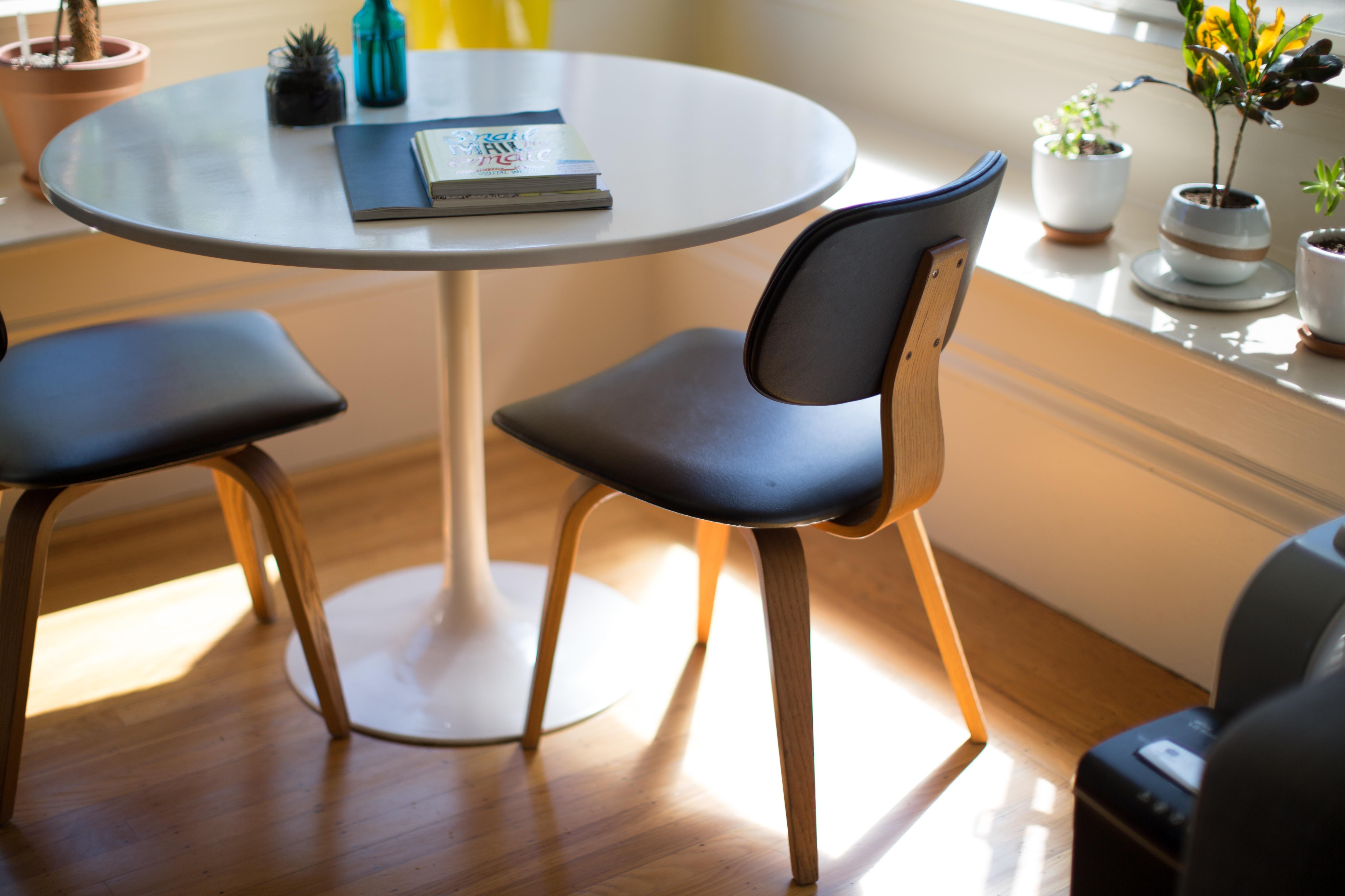 Images gratuites table chaise sol intérieur bureau meubles