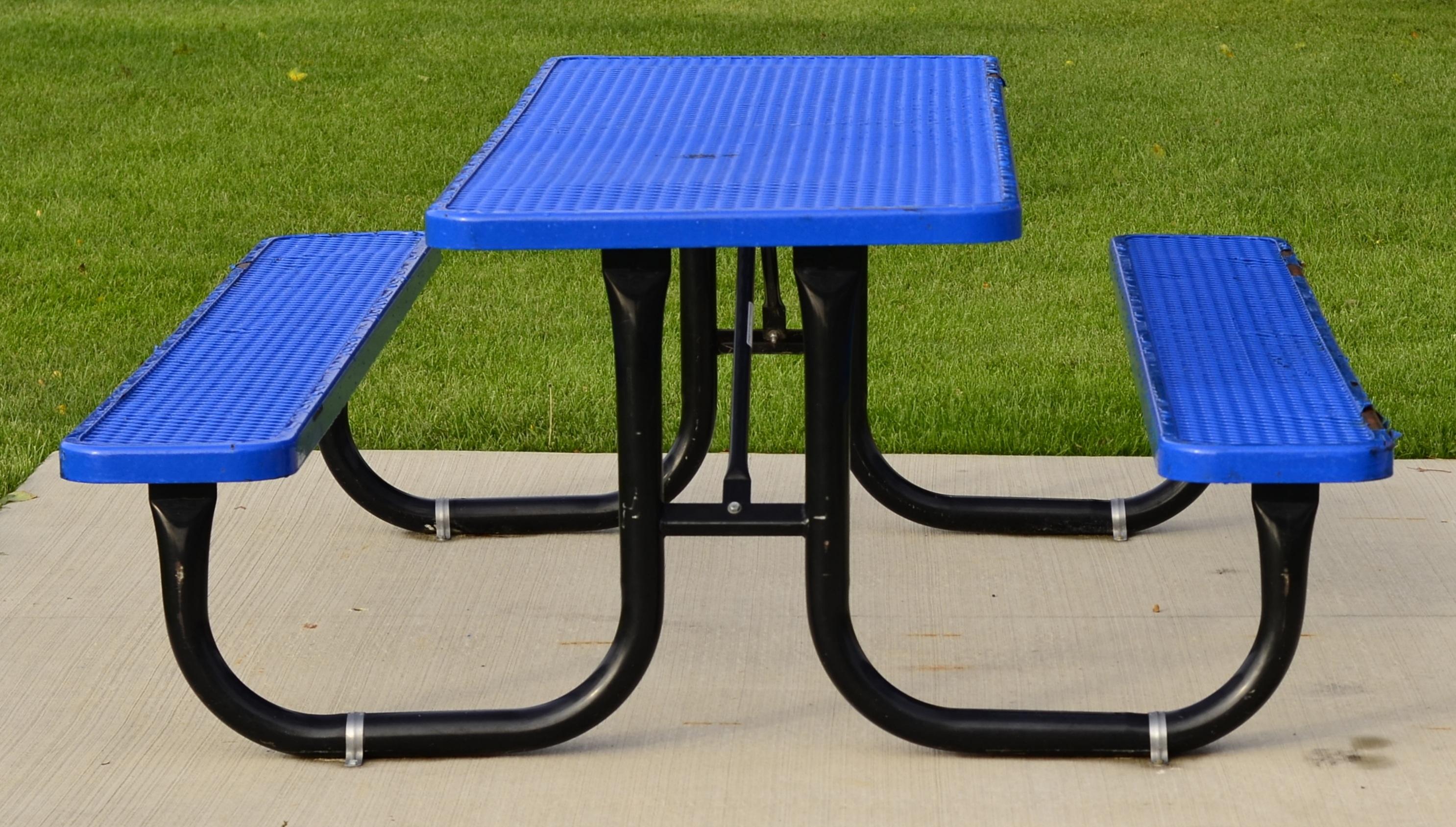 Images Gratuites : table, chaise, vert, bleu, meubles, pique-nique ...