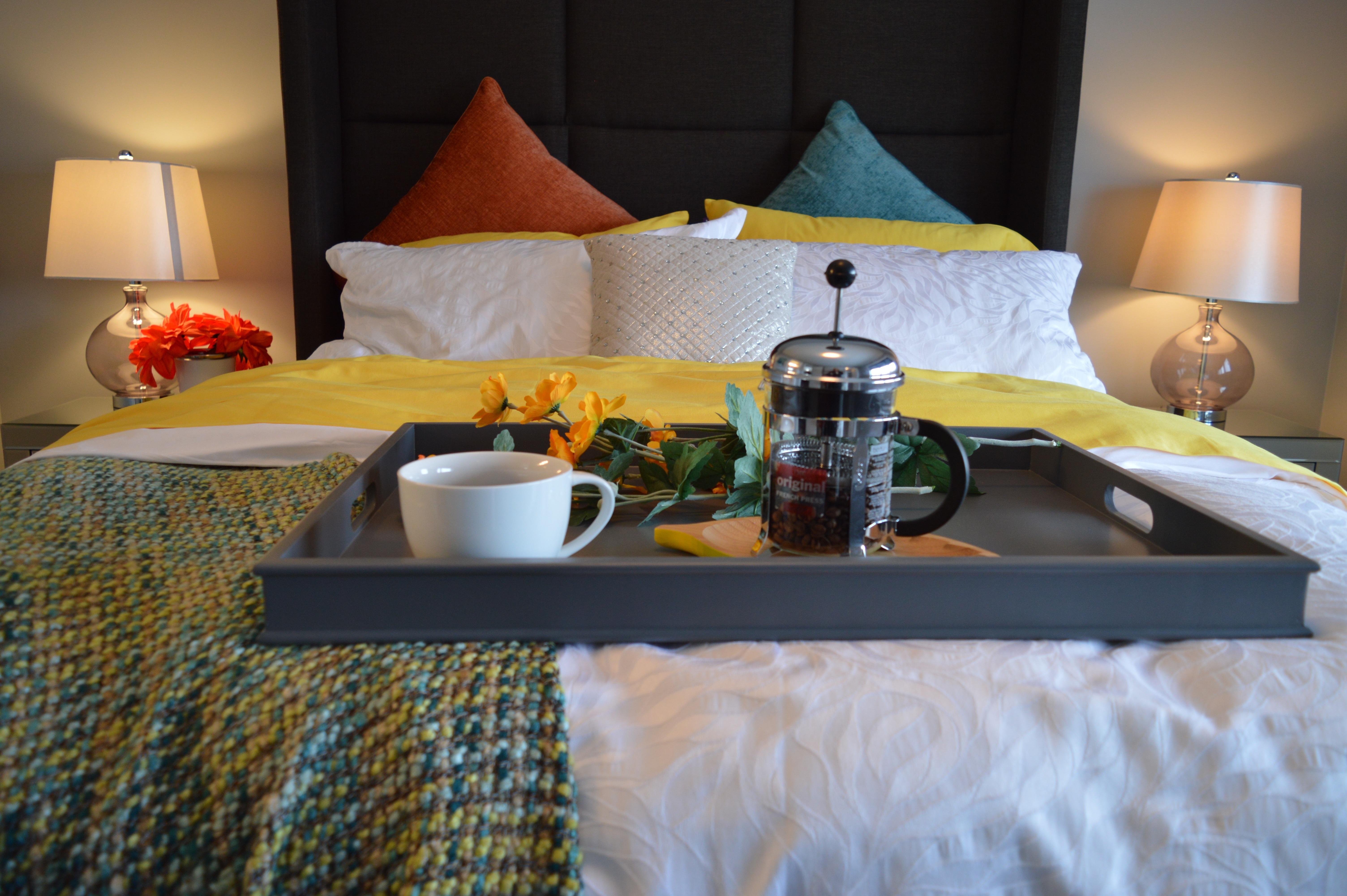 Fotos gratis : mesa, café, casa, Mañana, interior, dormido ...