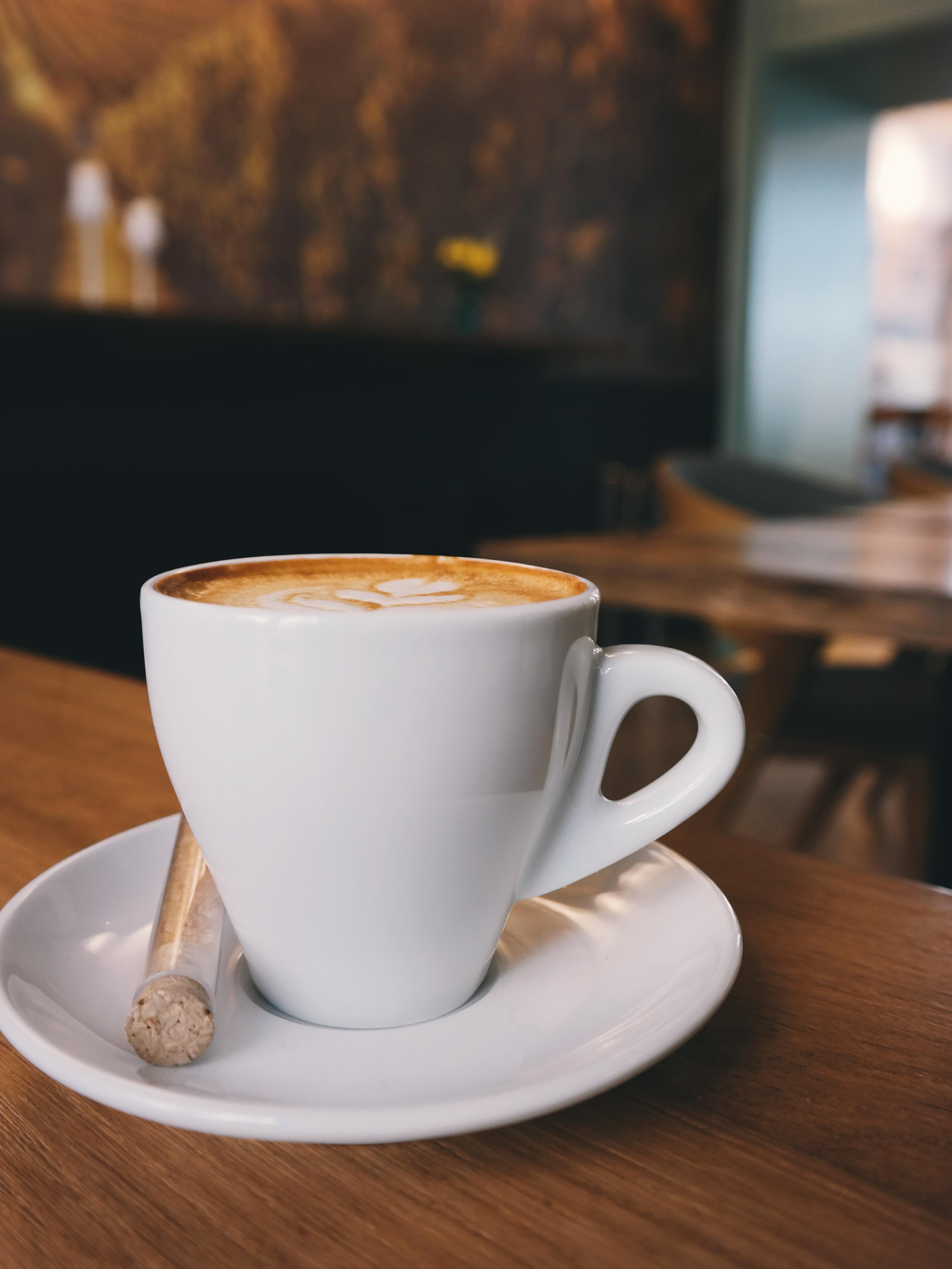 амулет, как фото утреннего кофе на столе прикреплены поясу