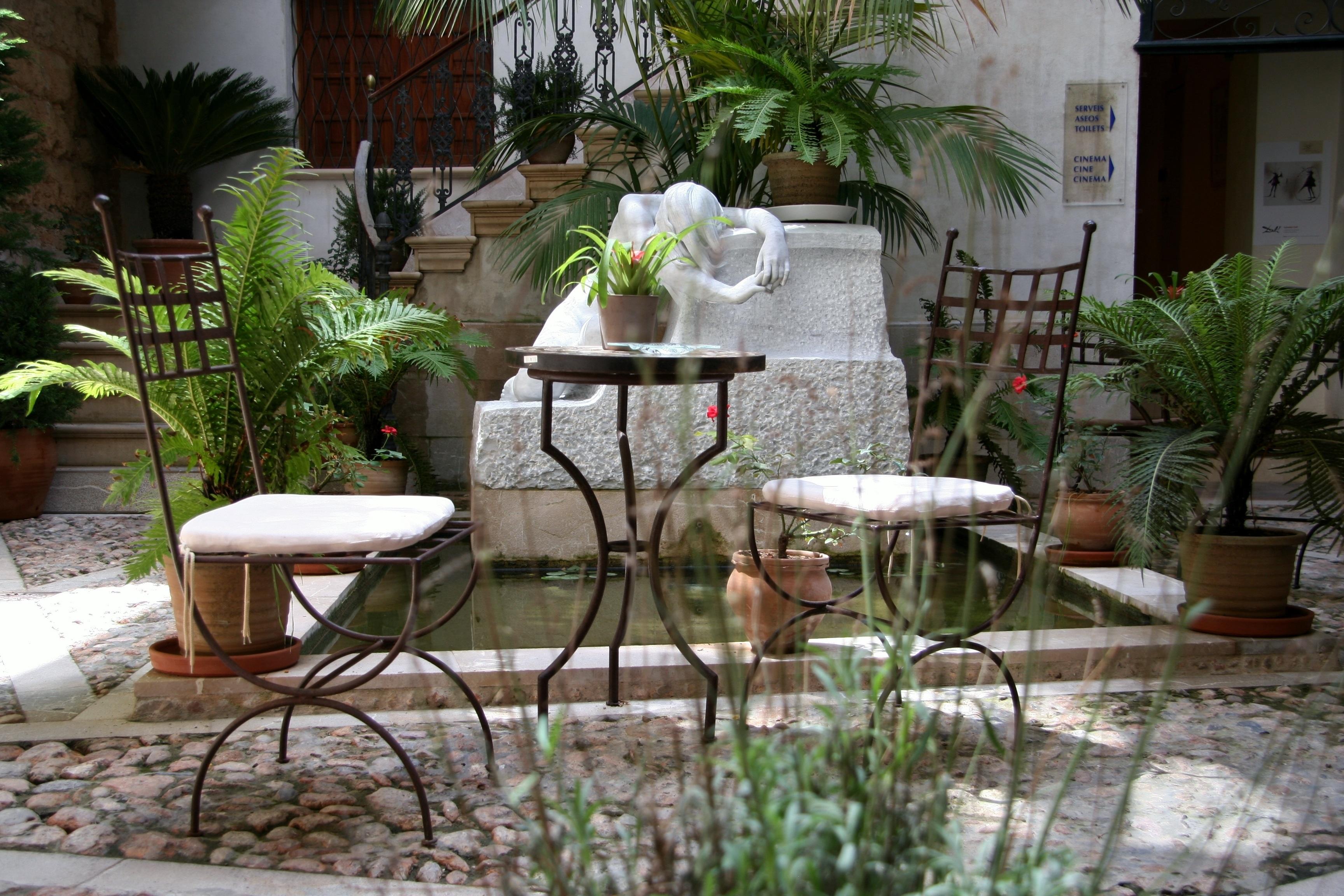 Fotos gratis mesa caf ma ana flor casa porche for Paisajismo de patios