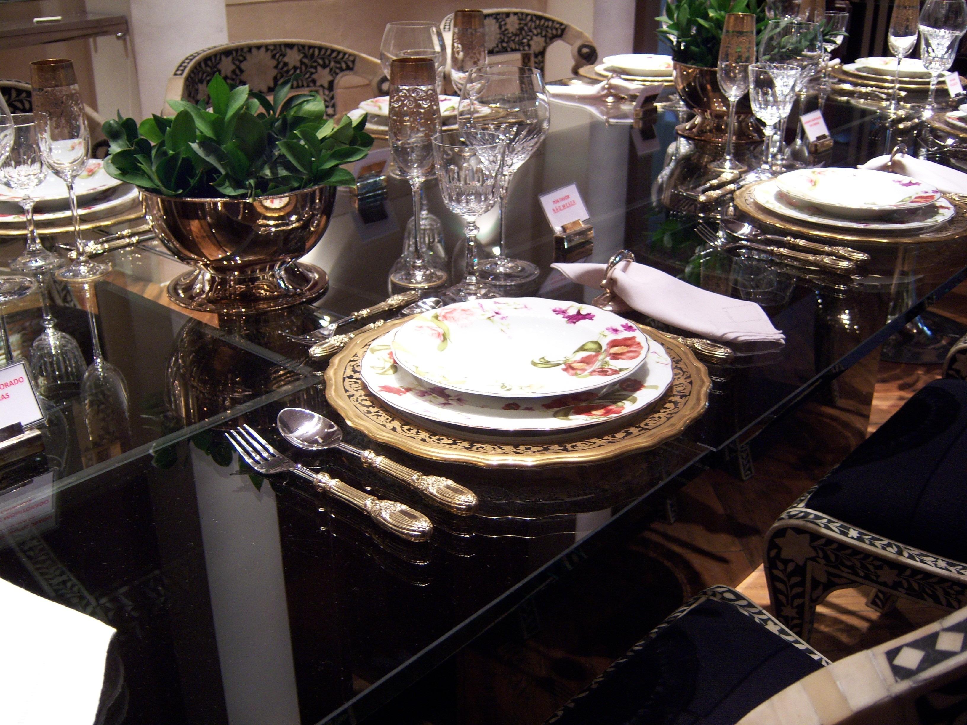 Images gratuites table coutellerie restaurant repas for Vaisselle de restaurant