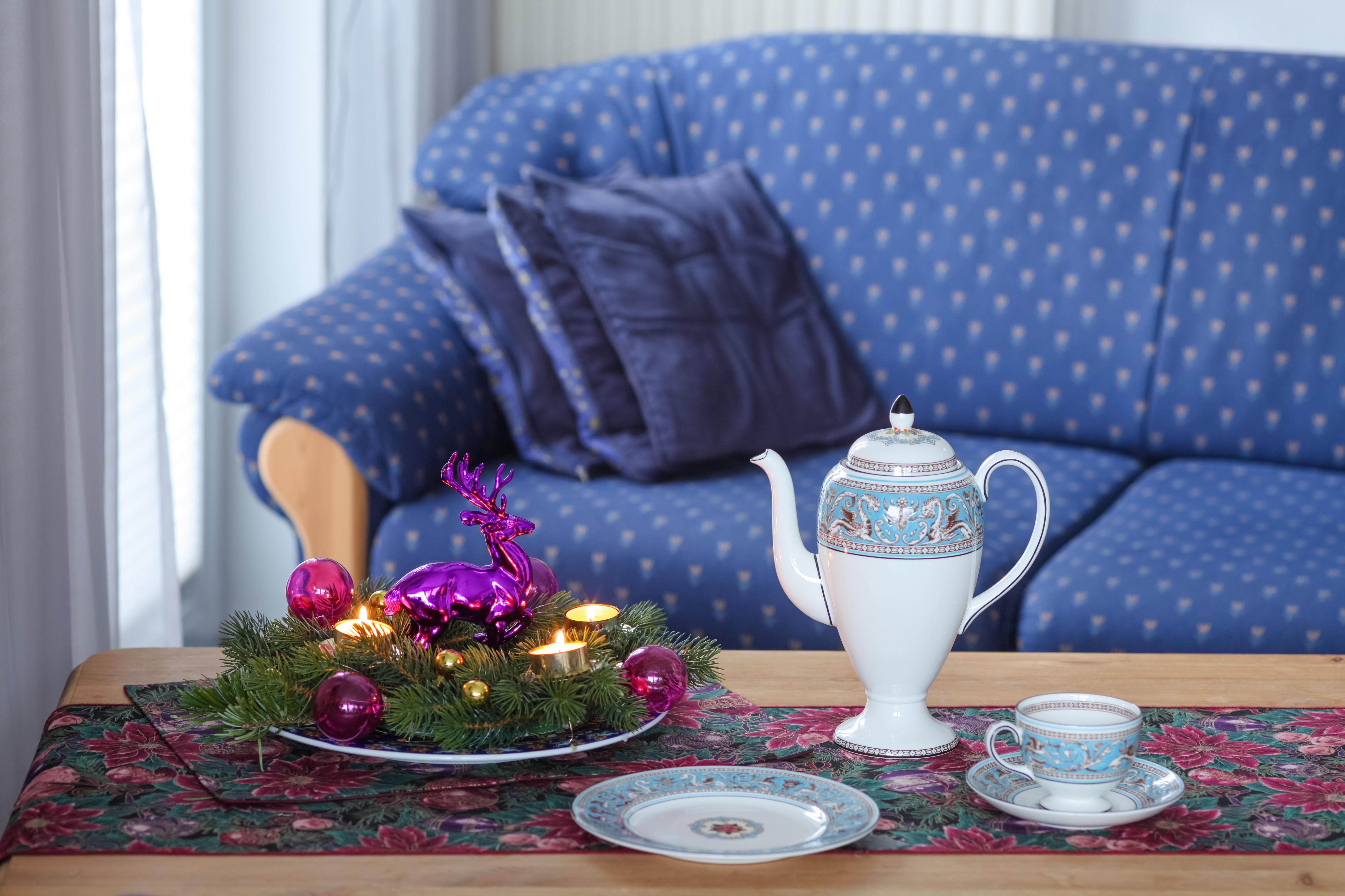Tabelle Blume Tasse Muster Teller Gemütlich Blau Wohnzimmer Möbel Zimmer  Kerze Sofa Advent Entwurf Violett Kaffeetasse