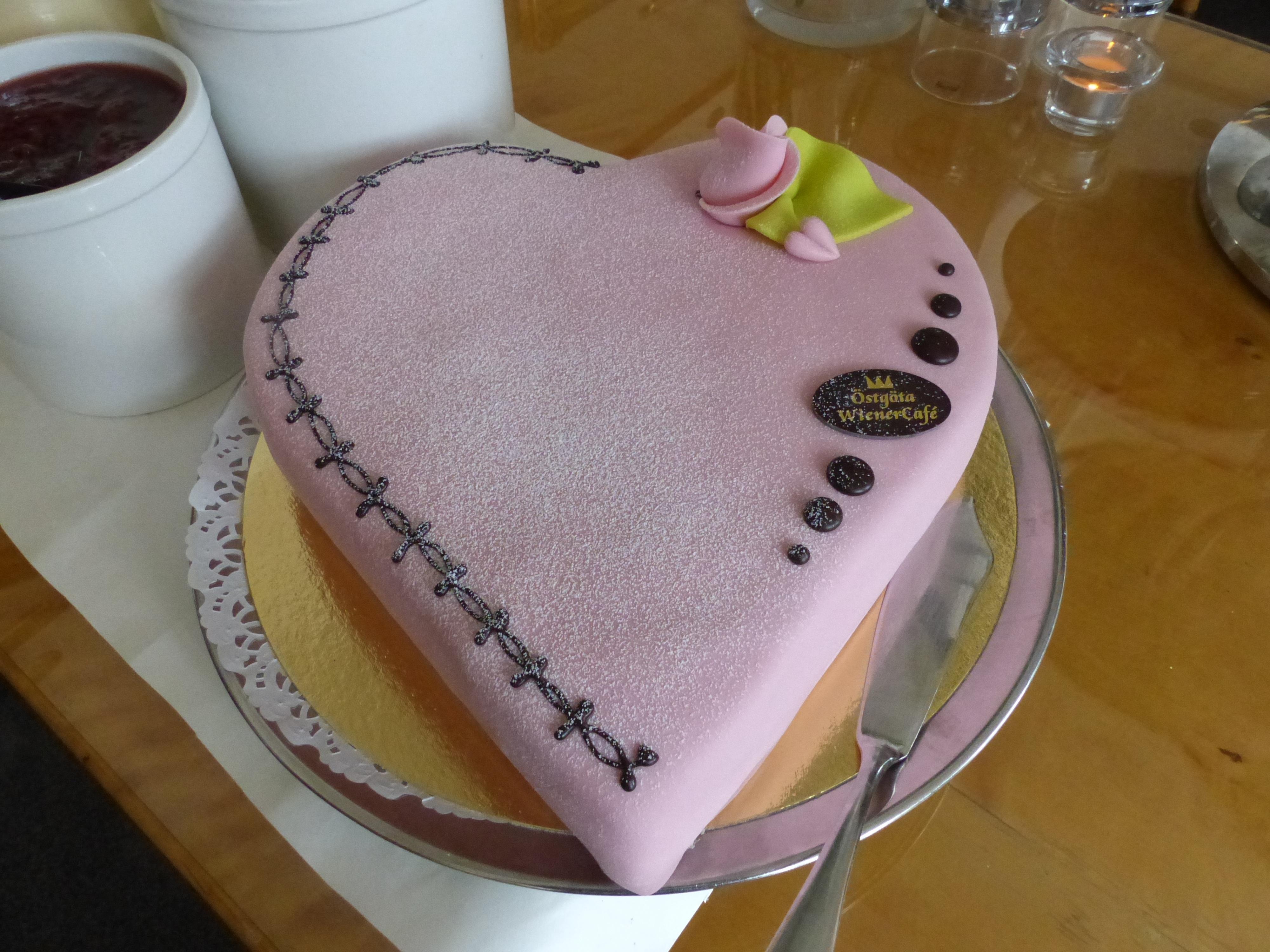 fotos gratis mesa comida rosado horneando postre cocina barril pastel de cumpleaos formacin de hielo fondant ros productos horneados