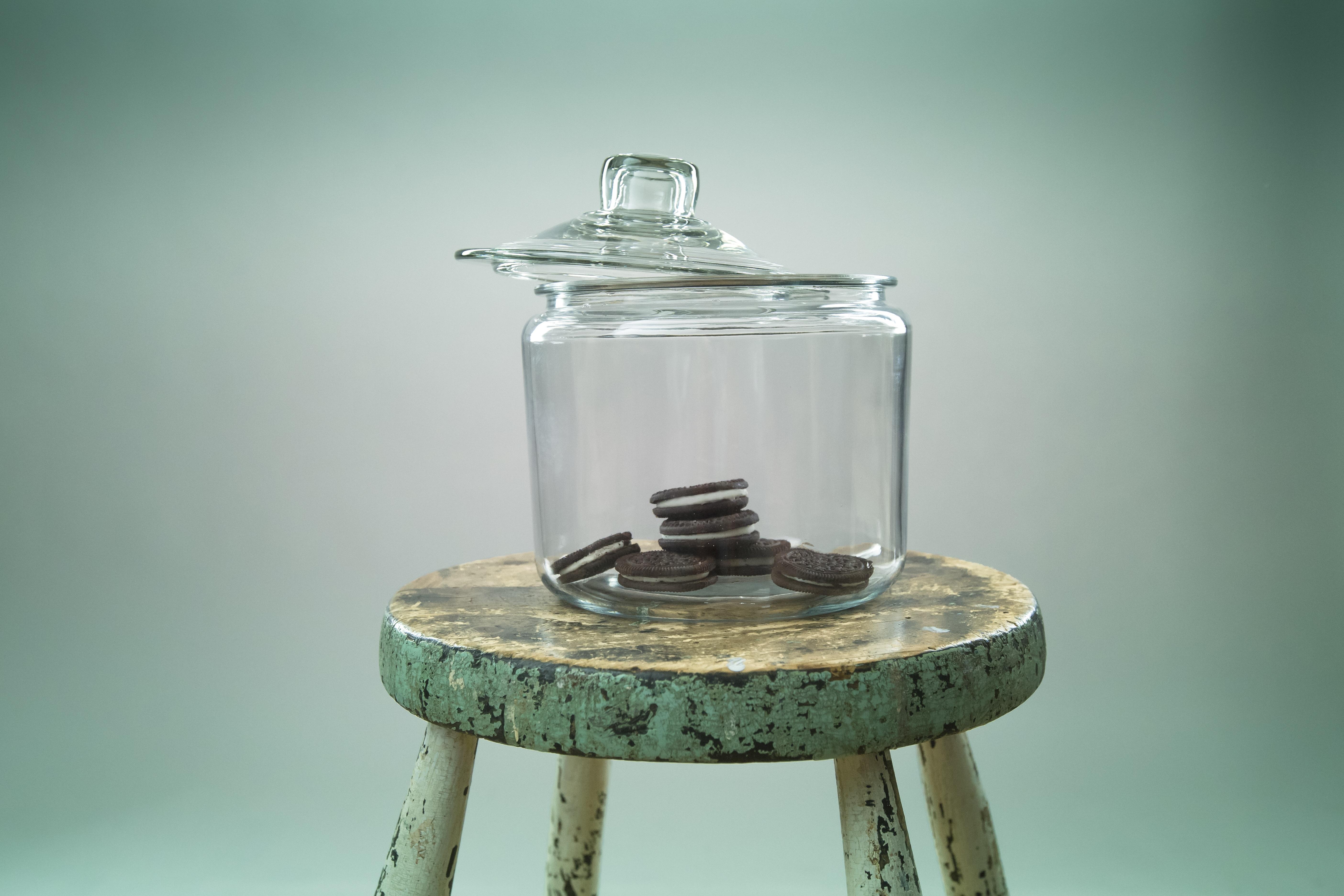 Gratis Afbeeldingen : tafel, glas, pot, rustiek, fles, lamp ...