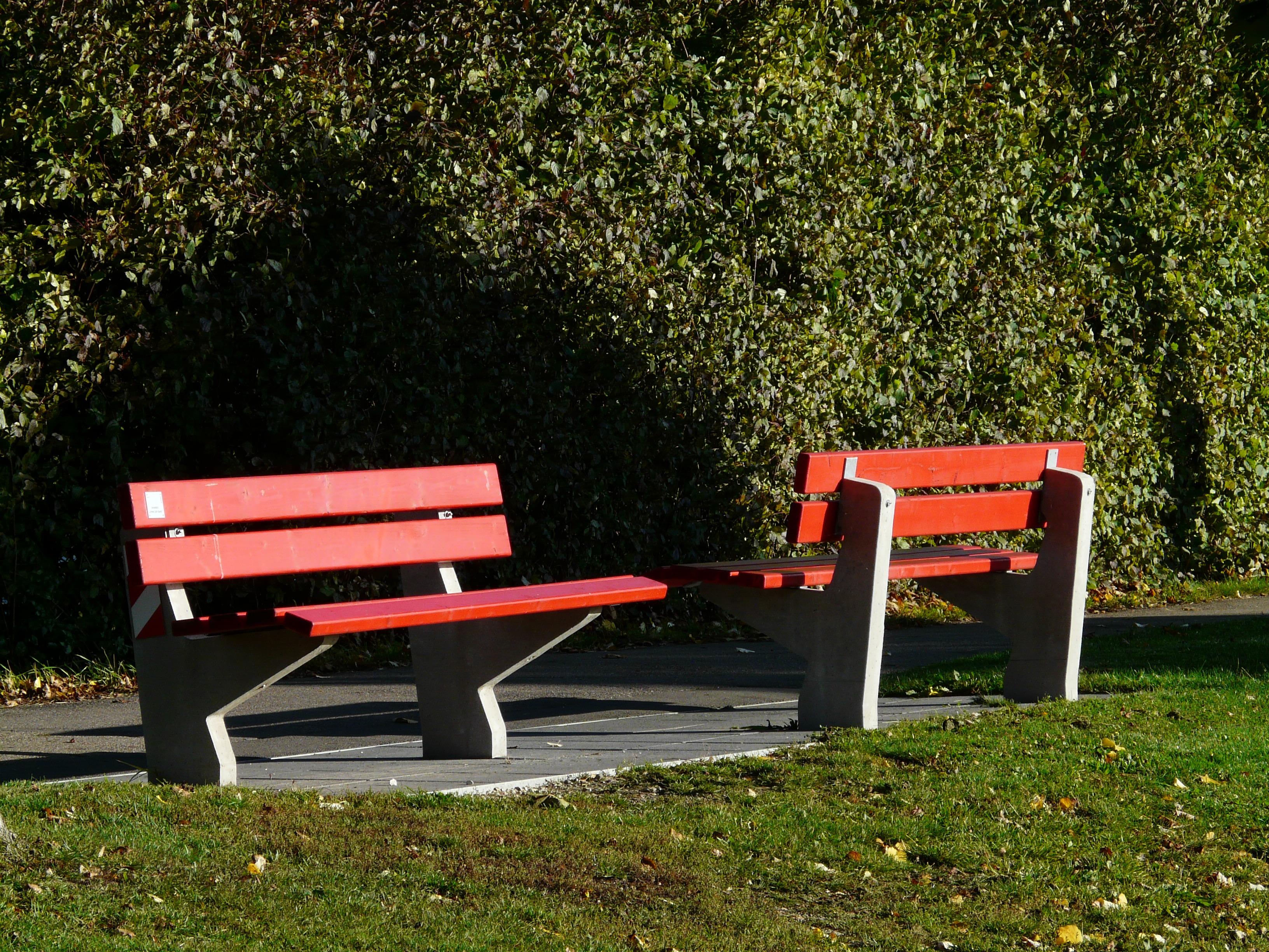 Fotos gratis : mesa, césped, banco, silla, asiento, rojo, vehículo ...