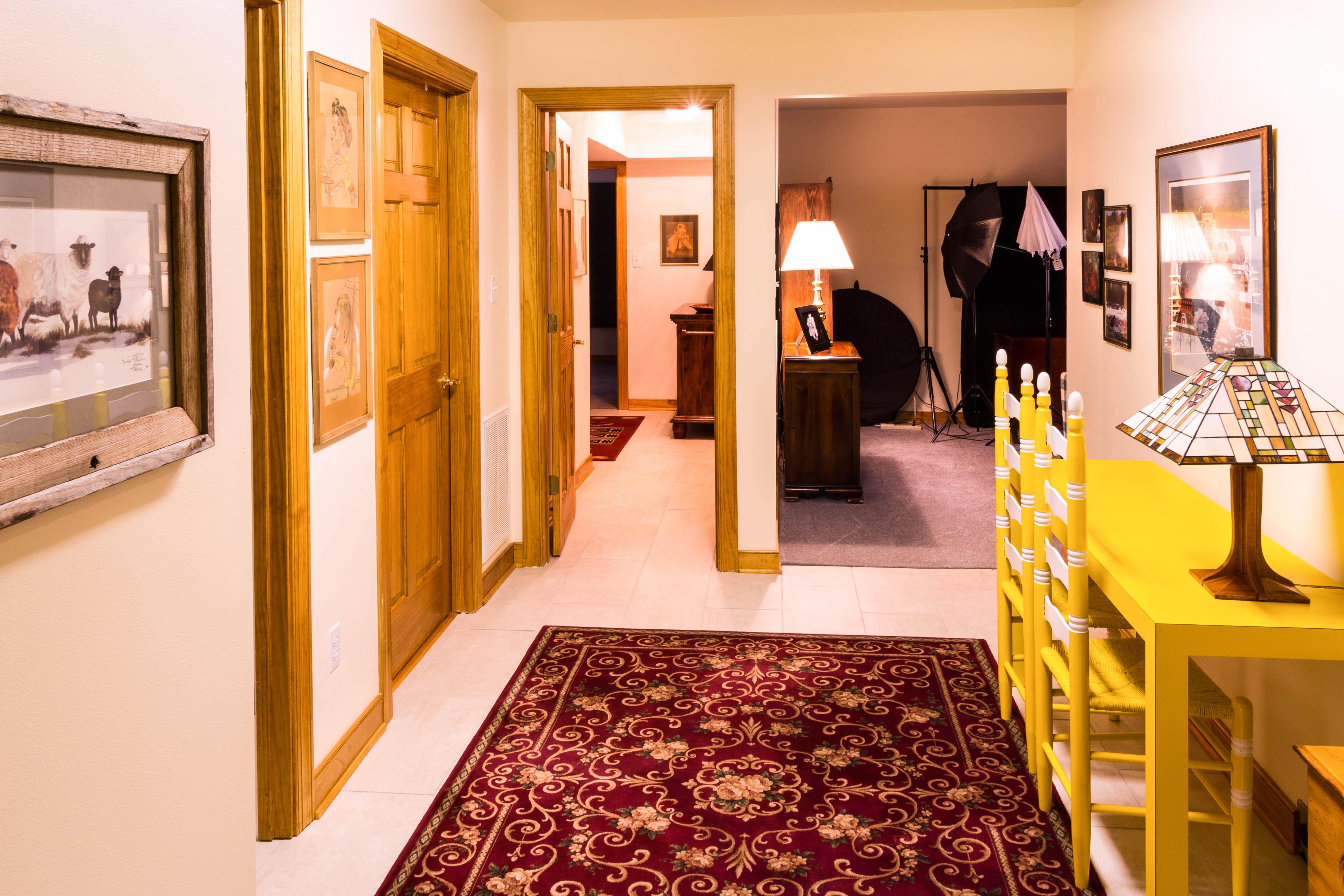 Gambar Meja Rumah Aula Milik Ruang Keluarga Kamar Desain