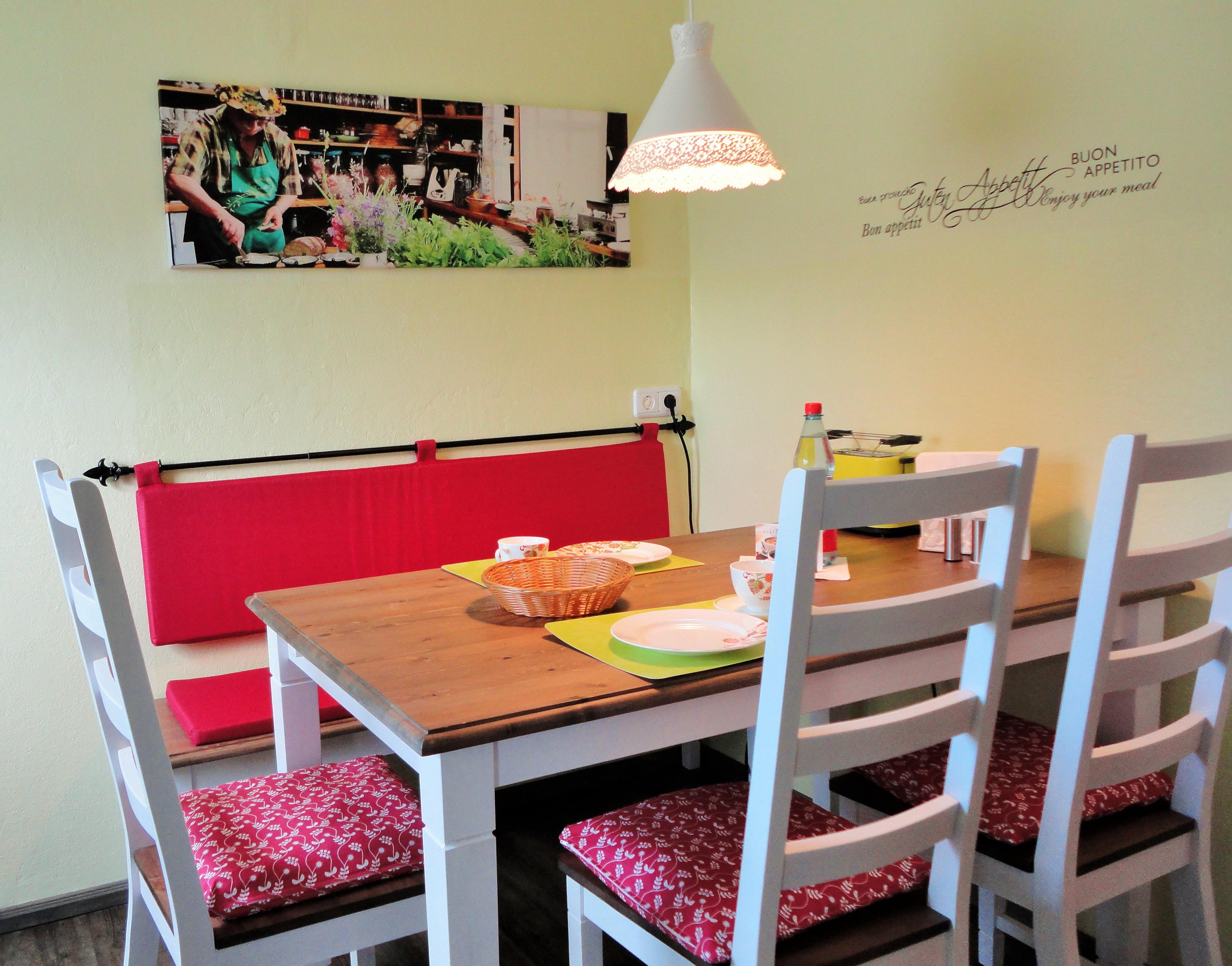Fotos gratis : mesa, casa, cocina, propiedad, estante, sala, mueble ...