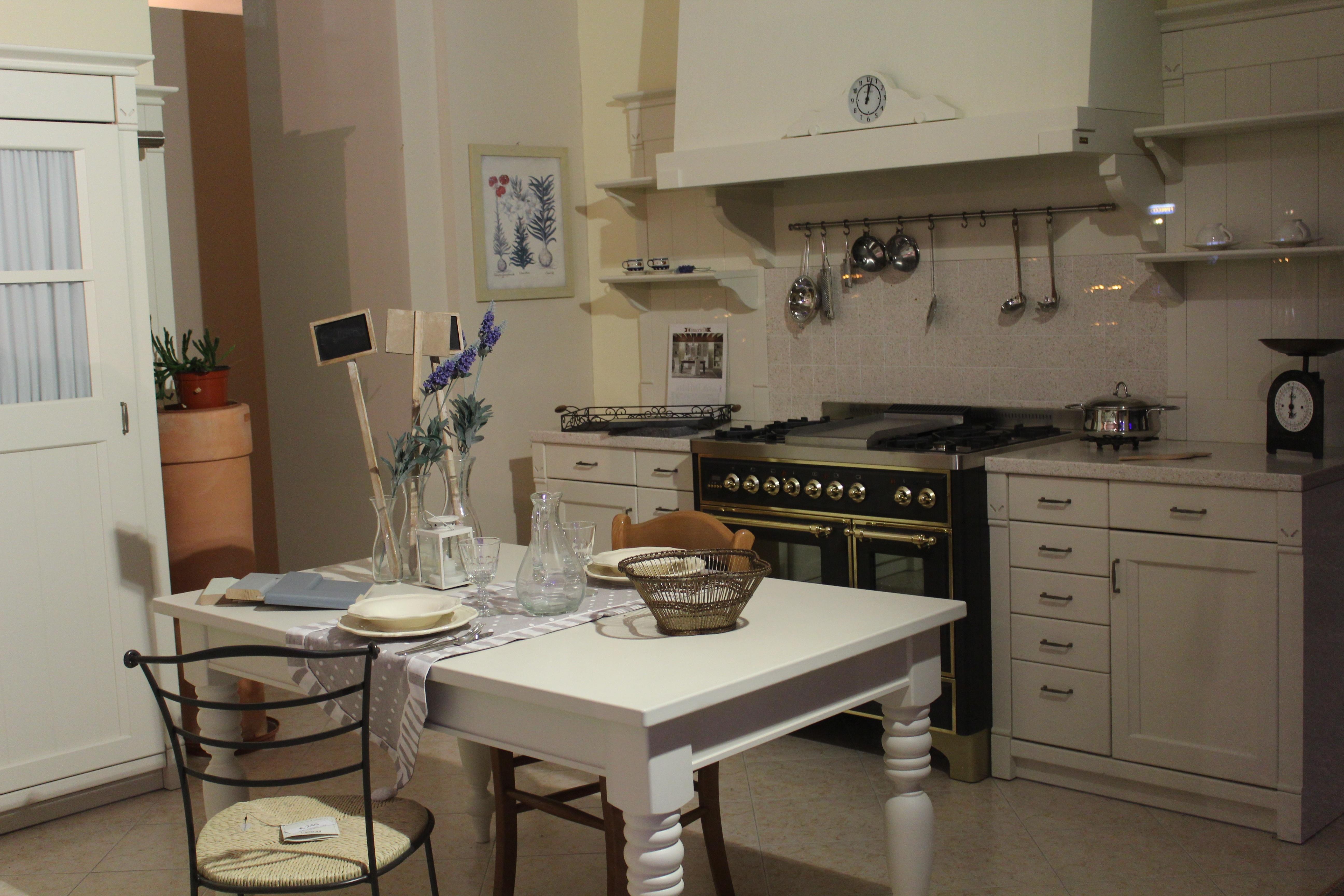 Fotos gratis : mesa, piso, interior, comida, cabaña, propiedad ...