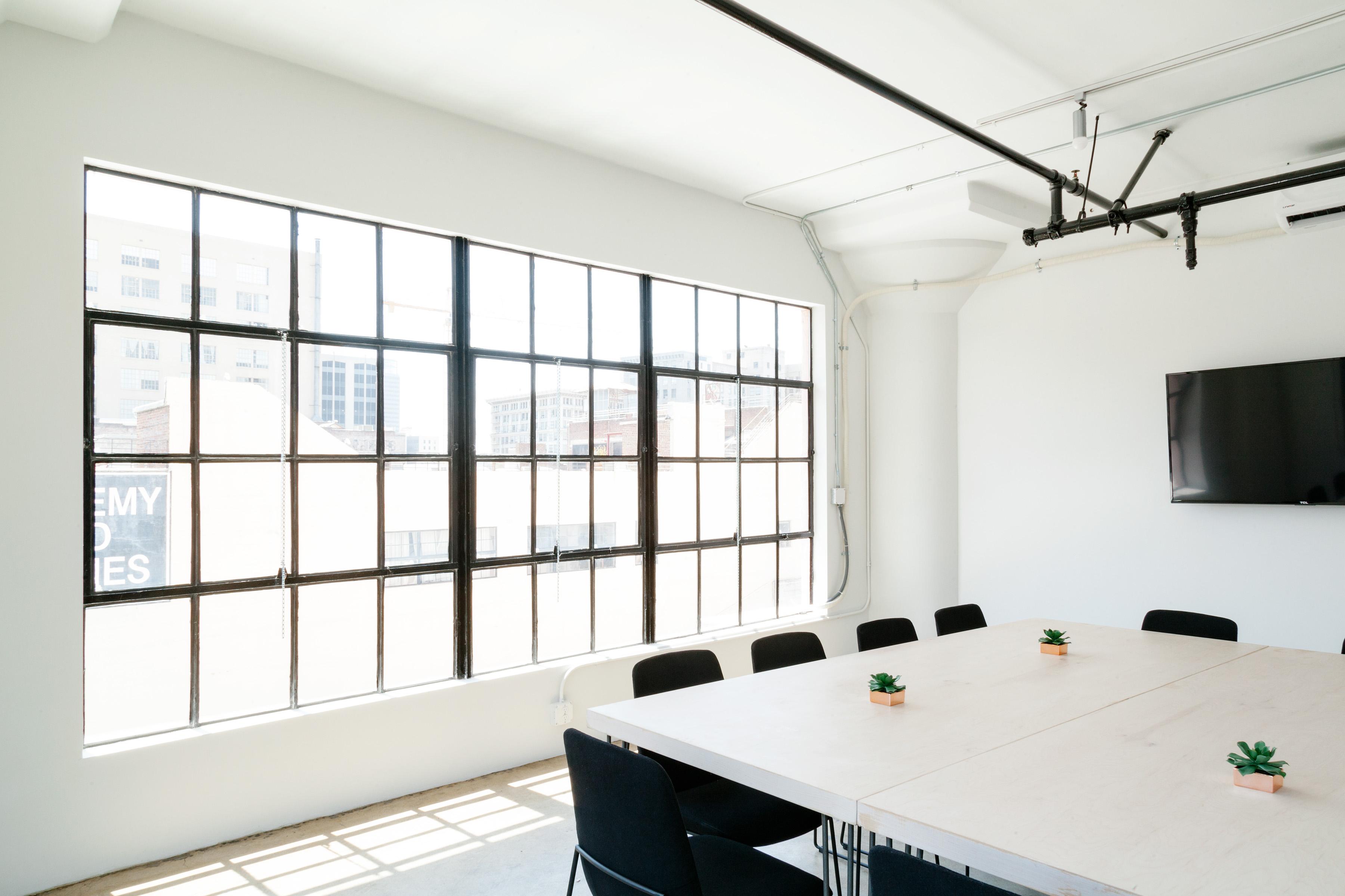 무료 이미지 : 표, 내부, 창문, 집, 천장, 로프트, 사무실, 재산 ...