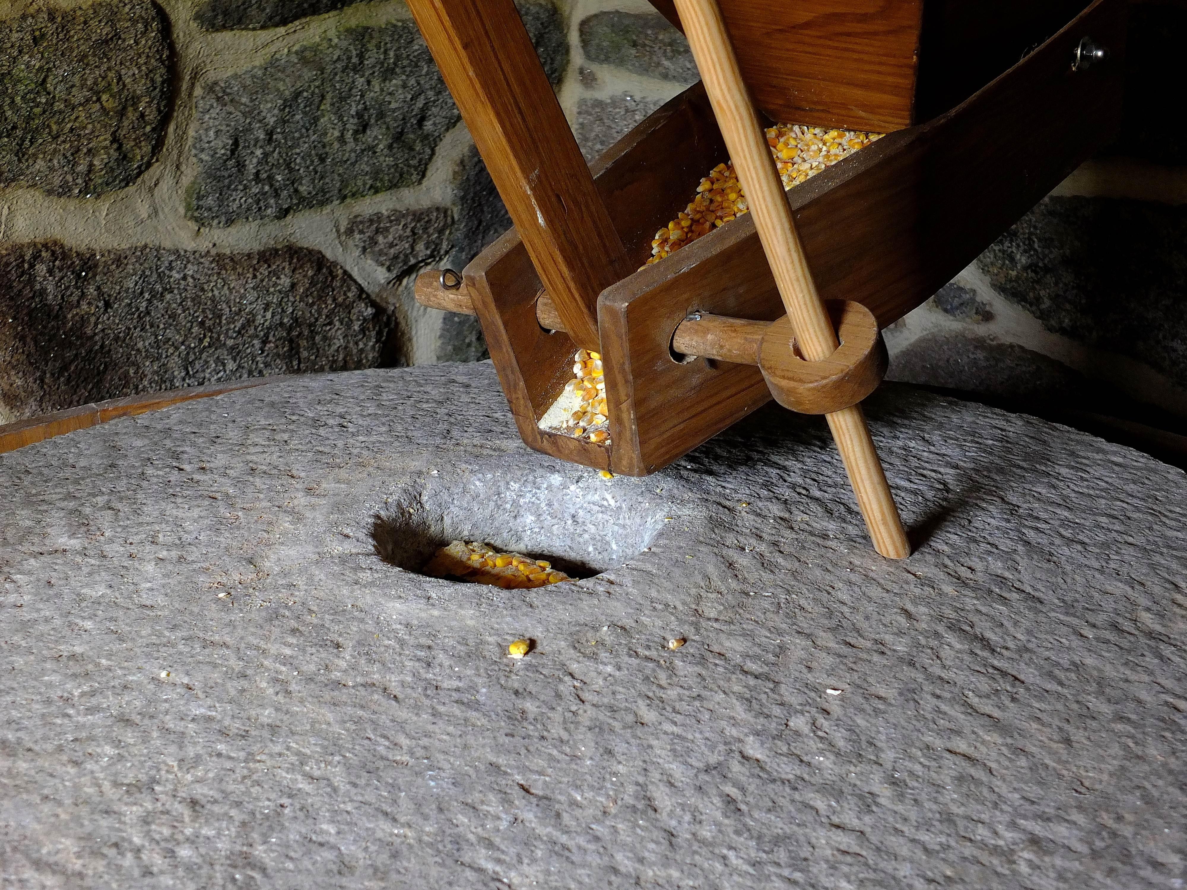 Table Landscape Wood Chair Floor Furniture Spain Galicia Pontevedra  Paisajes Carving Espana Ggl1 Gaby1 Molinosdeagua Alama