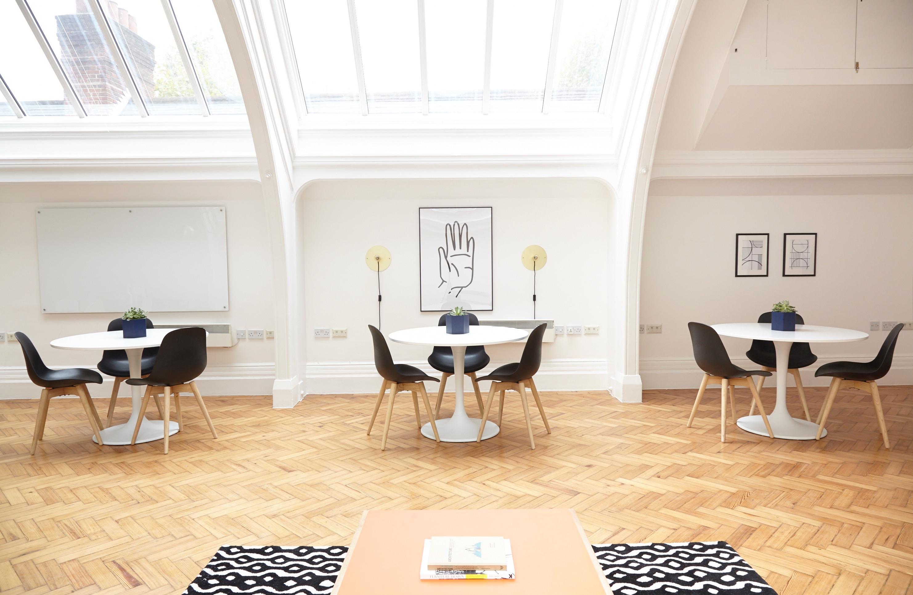 Gratis Afbeeldingen : tafel, licht, verdieping, huis-, huisje ...