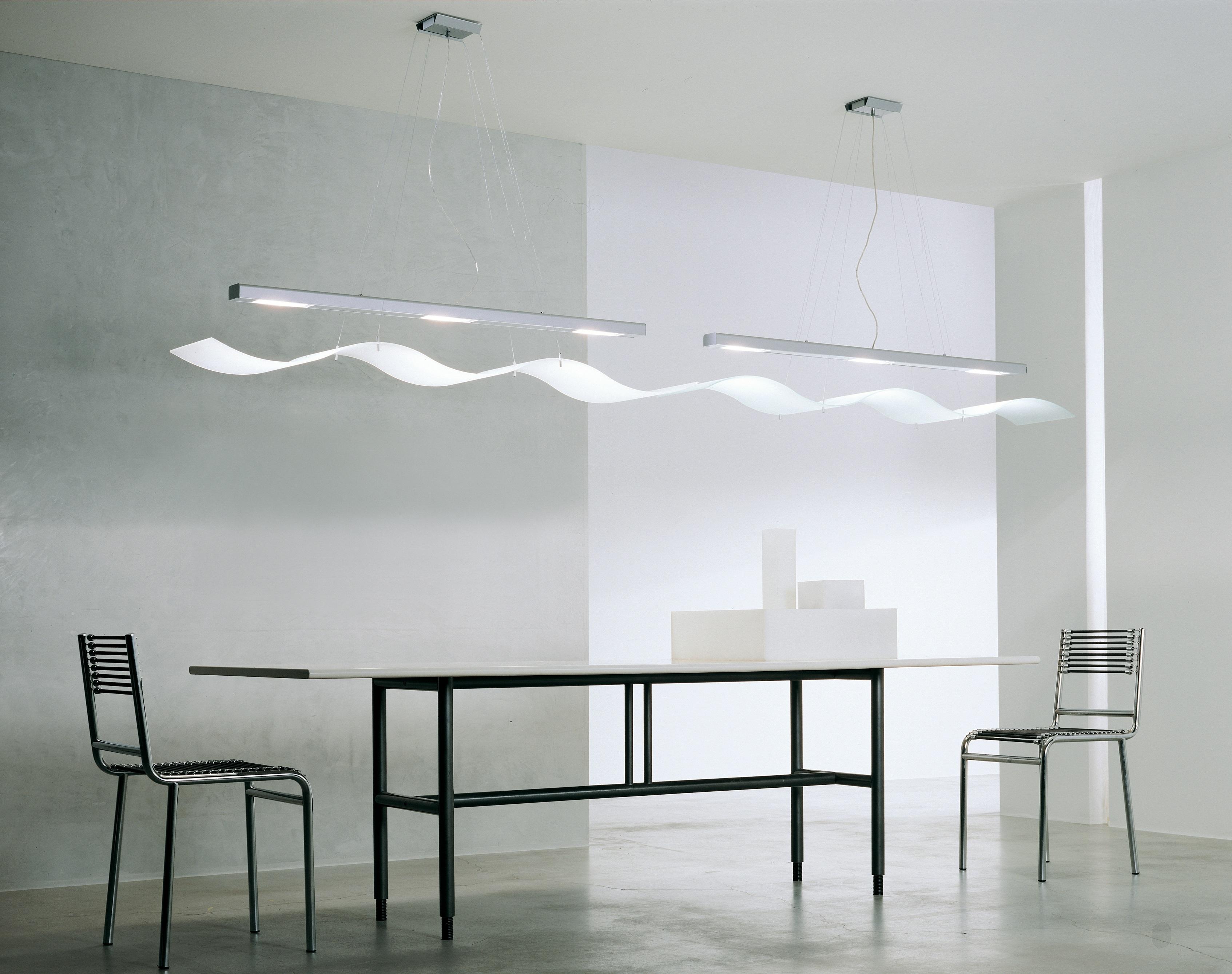 Immagini belle tavolo leggero bianca pavimento parete