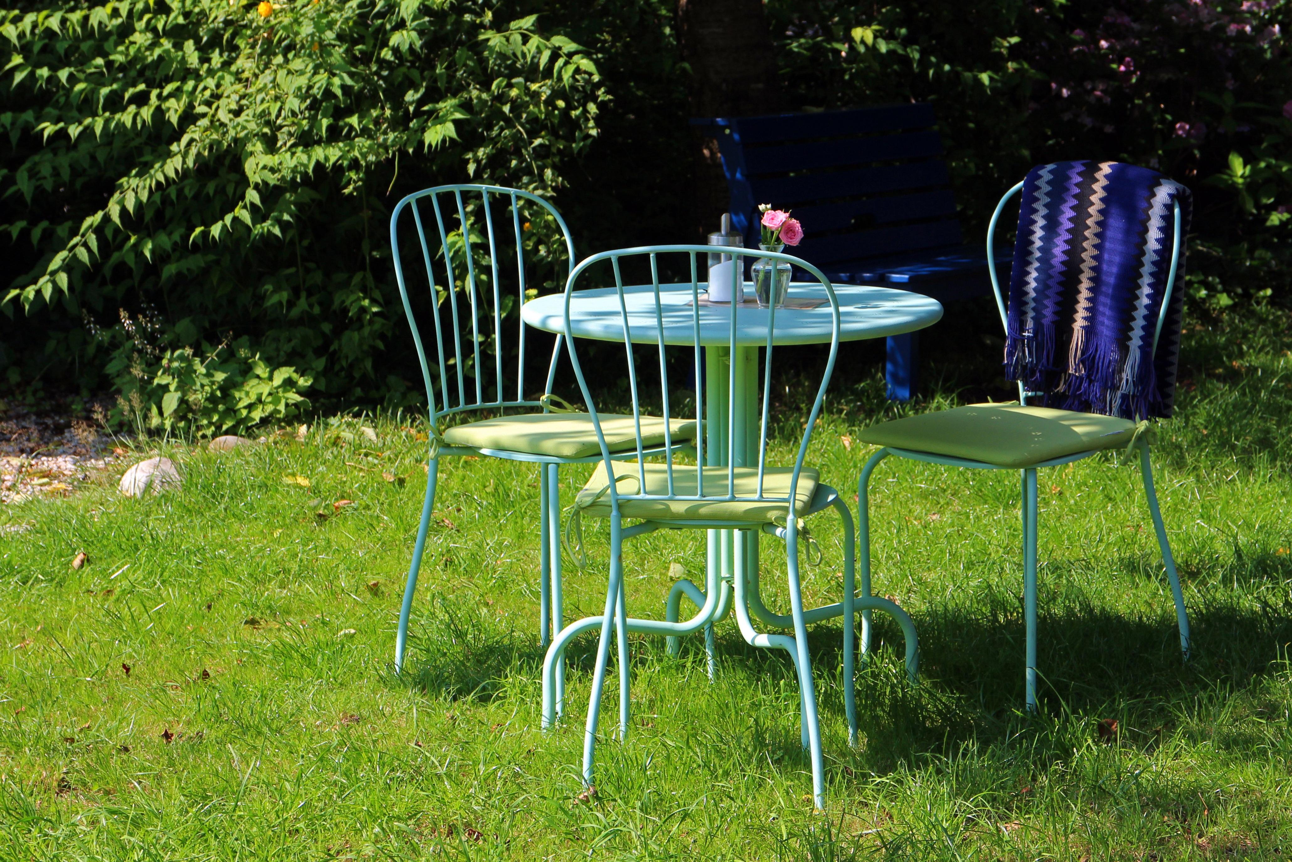 garden seating. Table Nature Grass Lawn Flower Seat Idyllic Green Backyard Rest Furniture Garden Chairs Break Yard Gastronomy Seating E