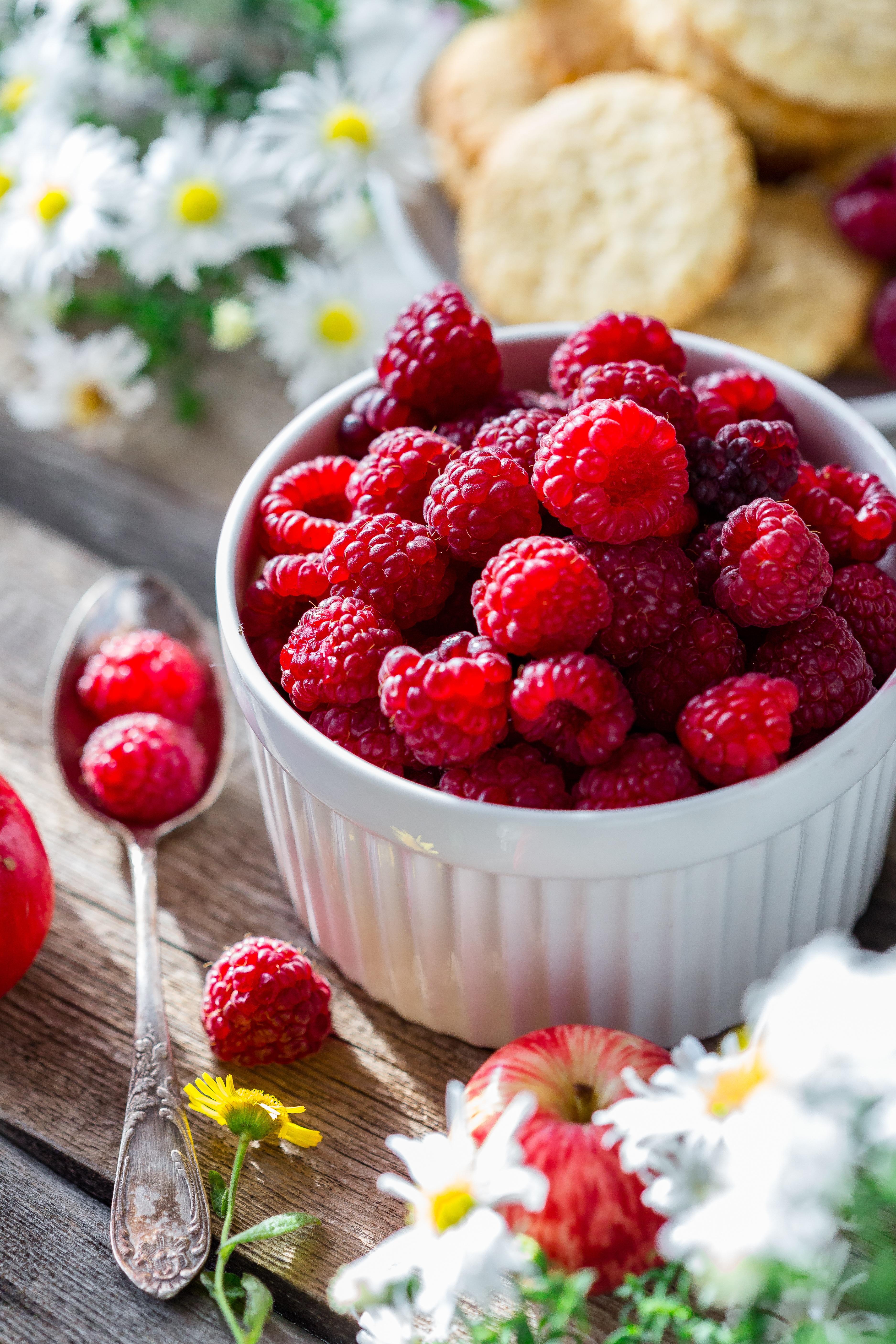 Аппетитные фрукты только с русским переводом