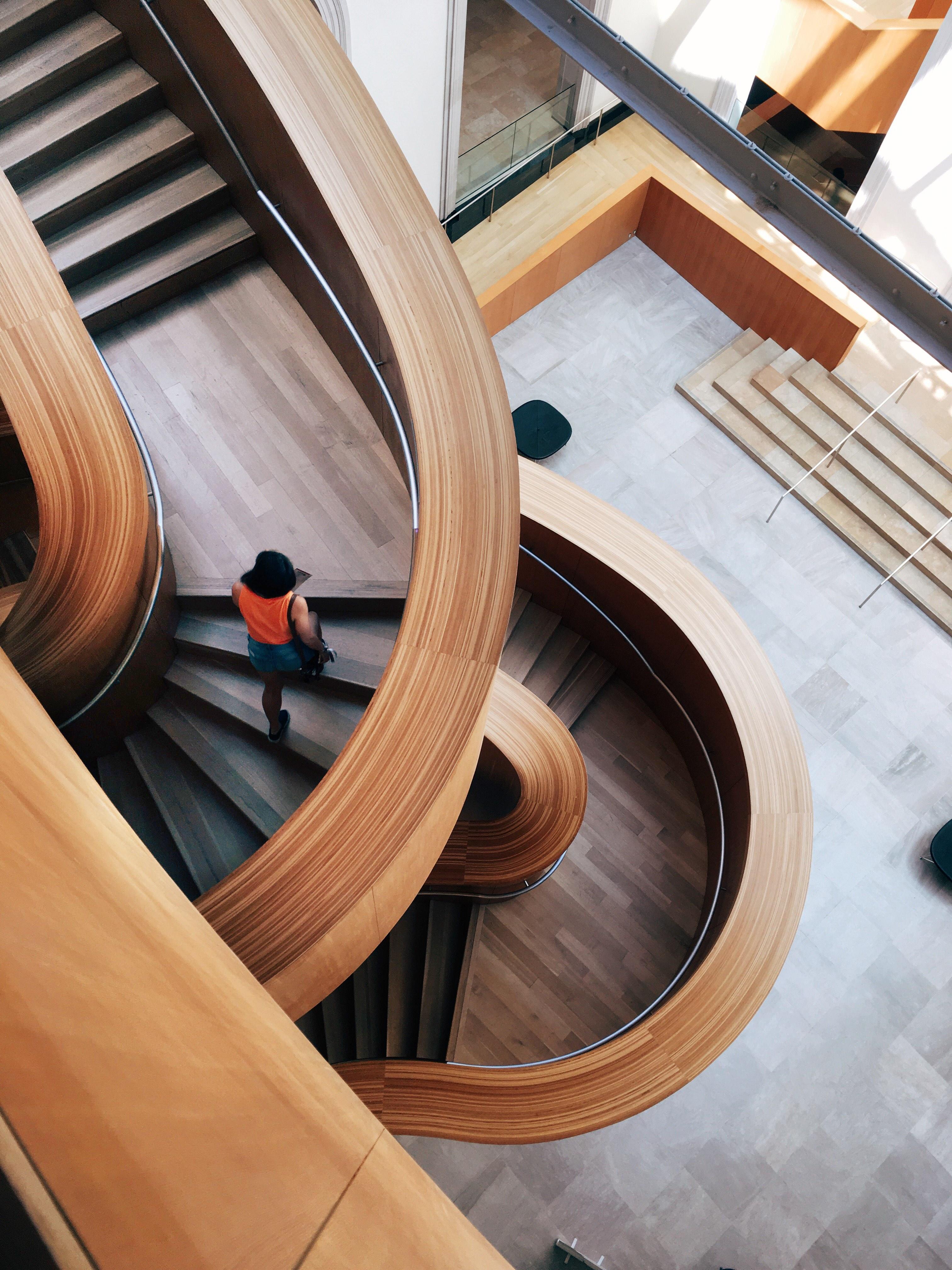 Gratis Afbeeldingen : tafel, persoon, architectuur, hout, boot, wiel ...