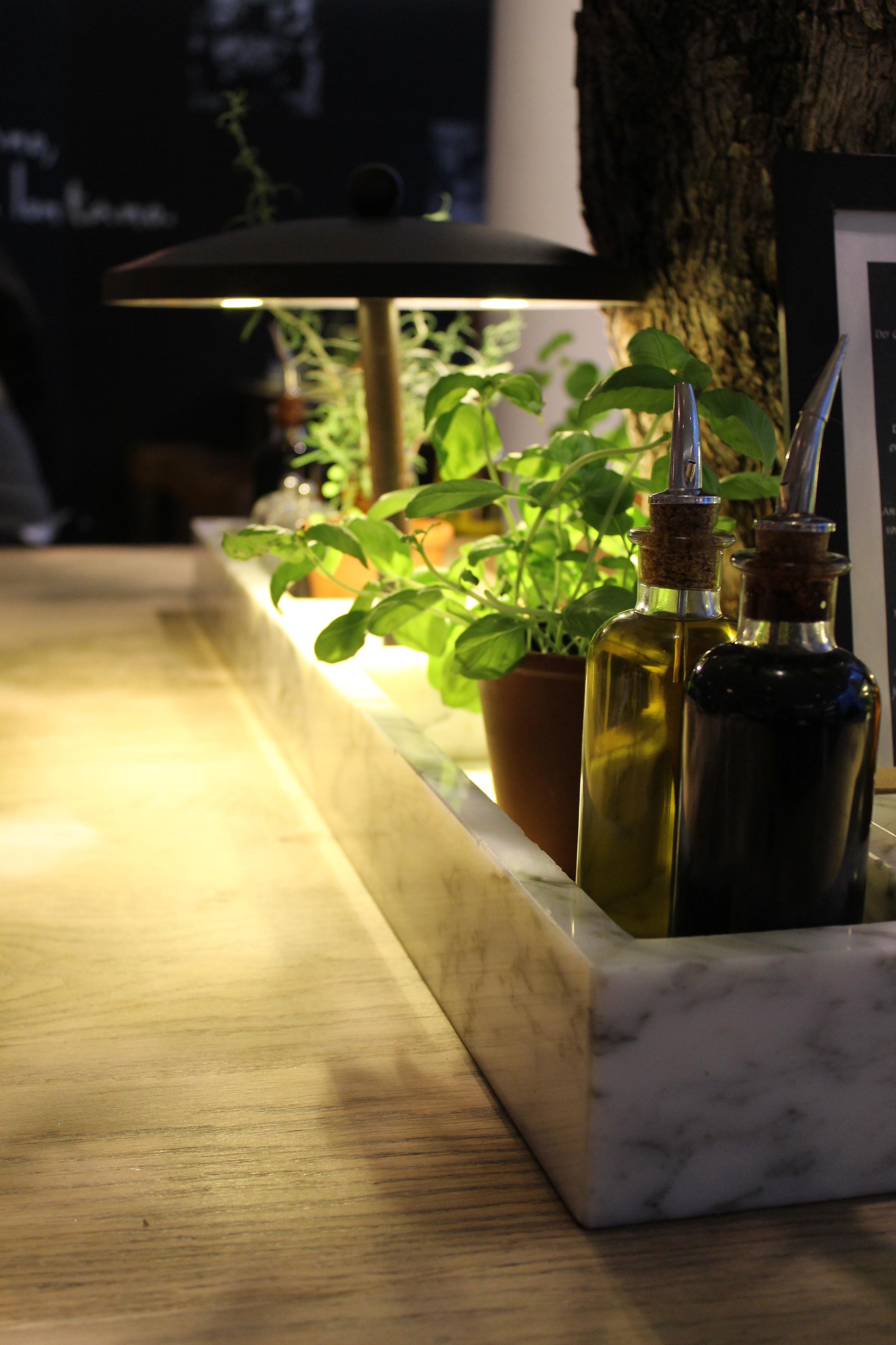Kostenlose Foto Tabelle Pflanze Holz Blume Fruhling Grun