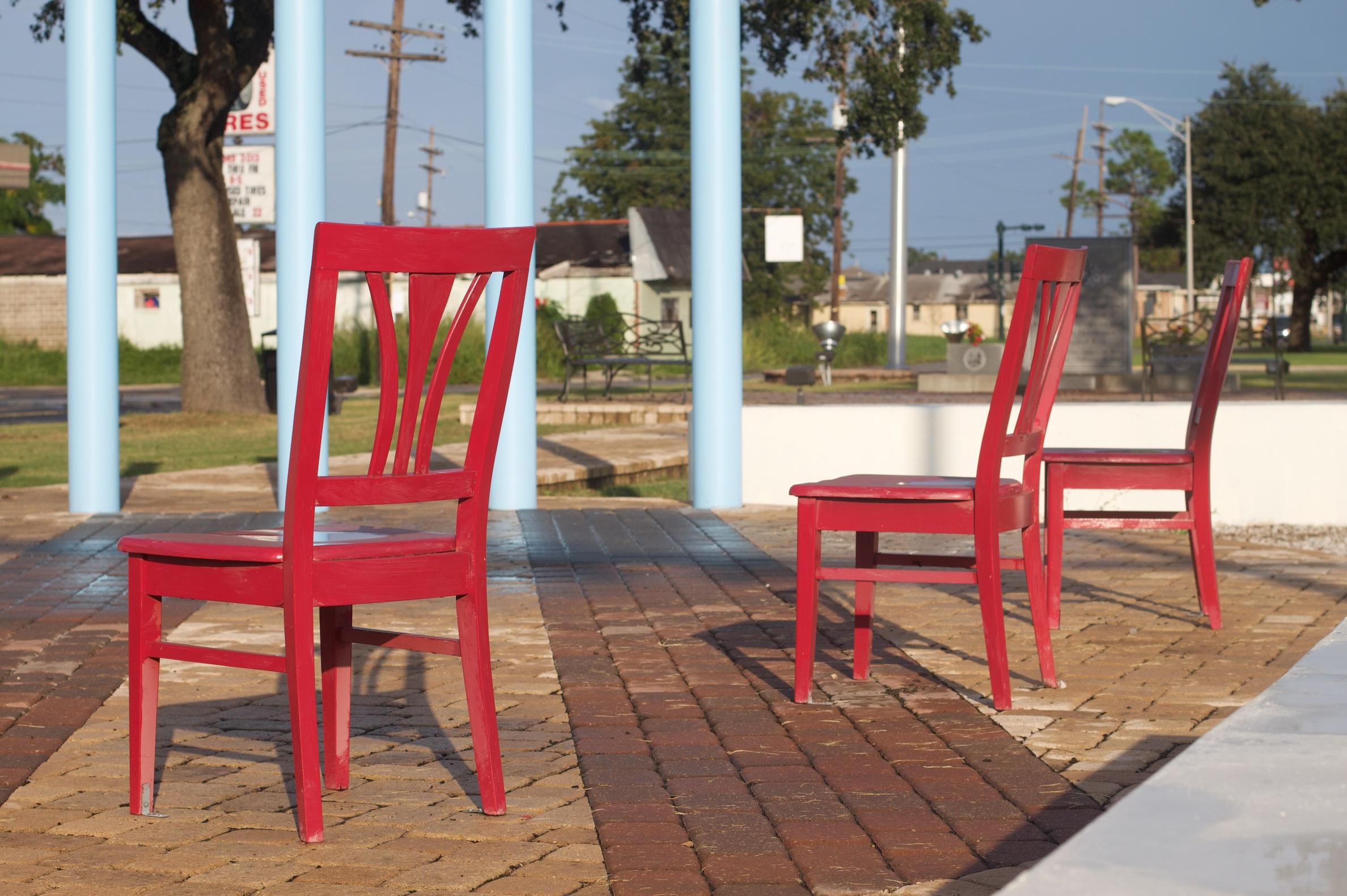 Fotos gratis : mesa, jugar, silla, ciudad, rojo, mueble, ocio ...