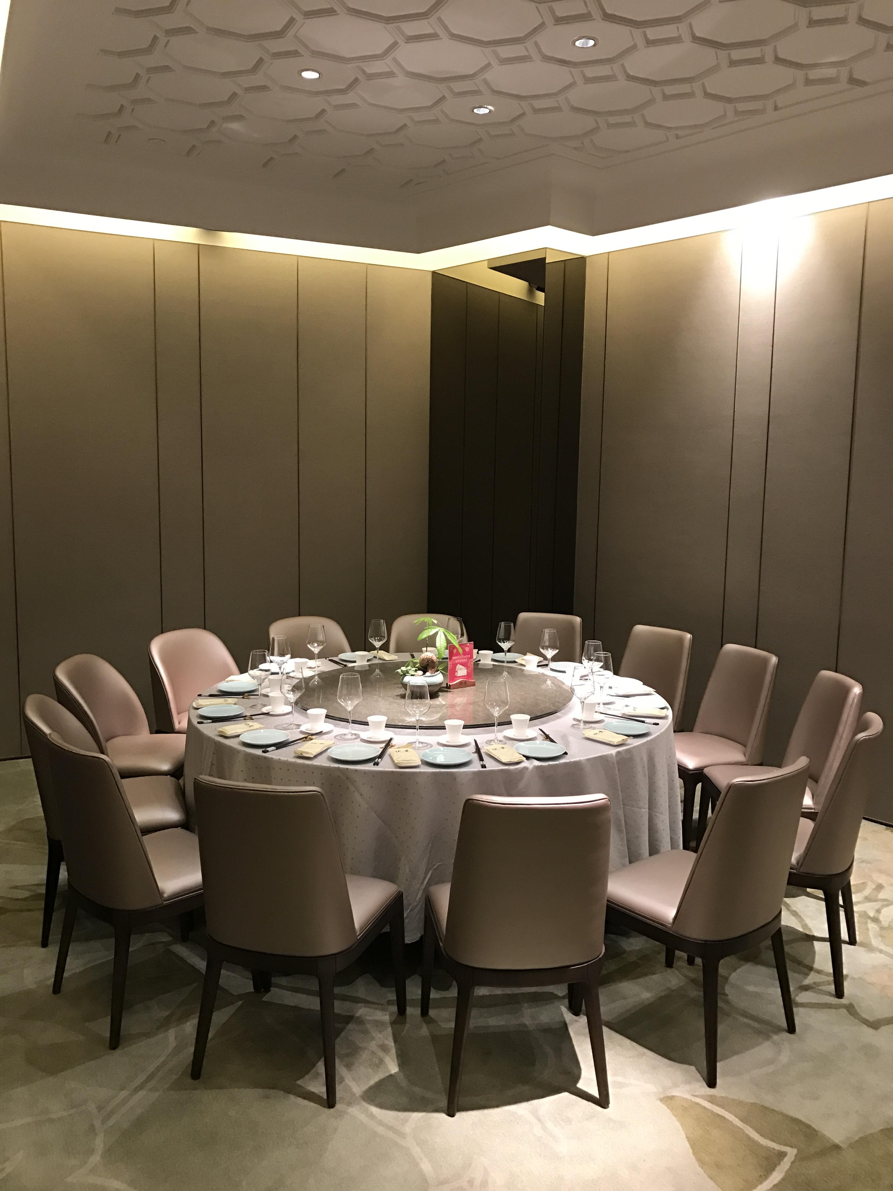 Kostenlose foto tabelle restaurant mahlzeit zimmer for Innenarchitektur restaurant