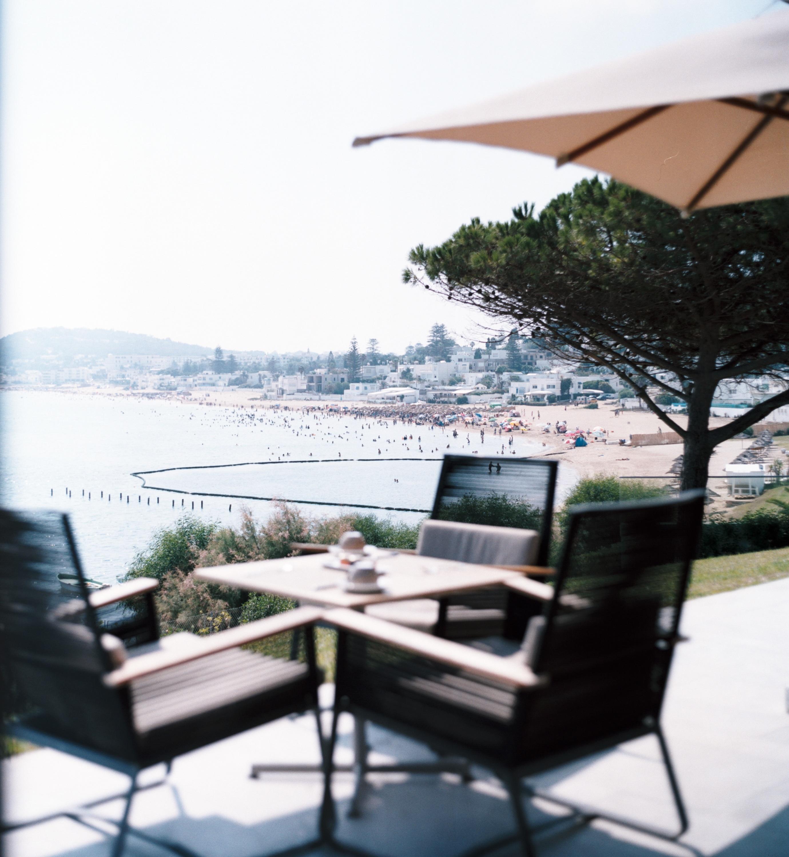 Fotos gratis mesa mar villa silla restaurante casa for Piani di casa patio gratuito