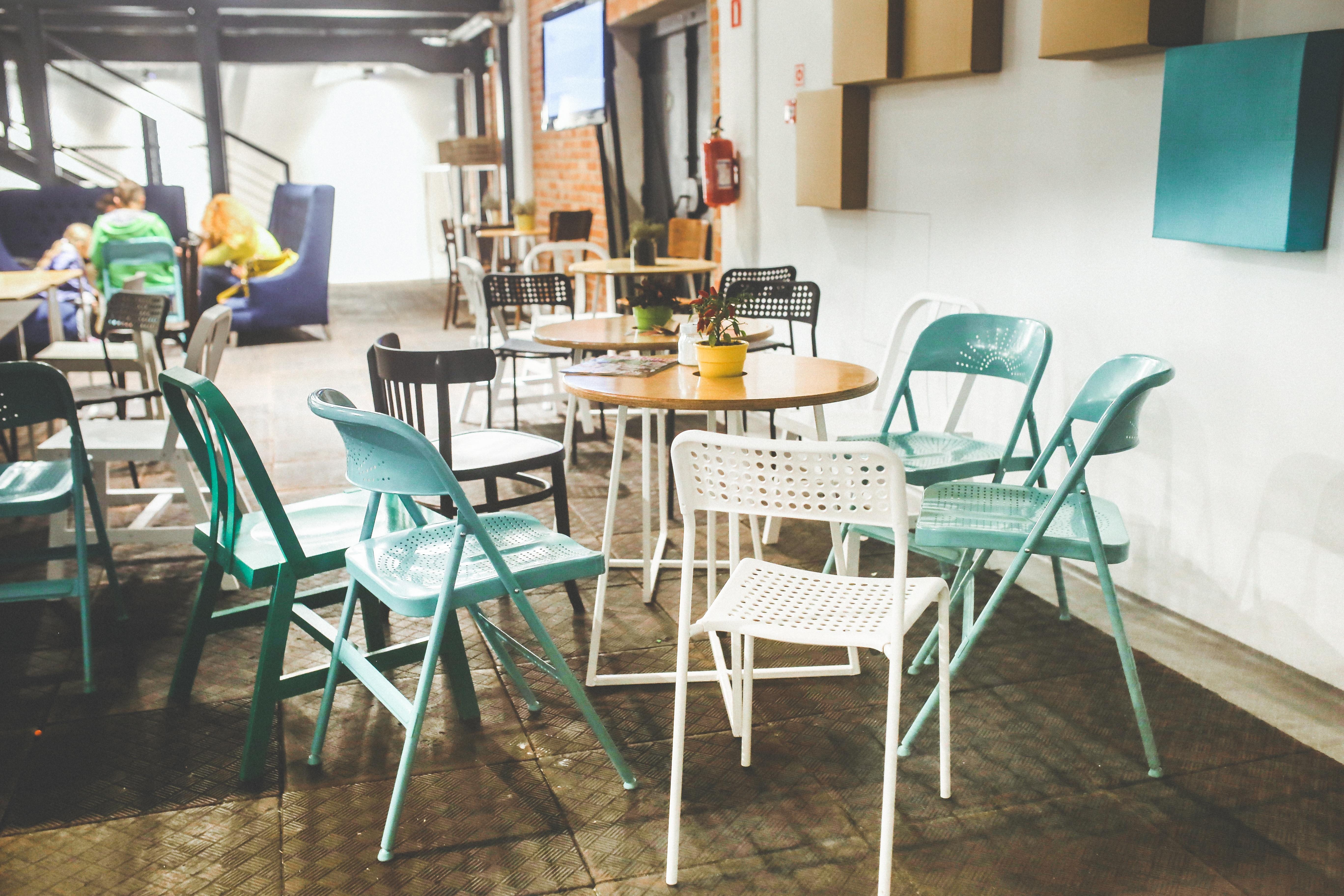 https://get.pxhere.com/photo/table-vintage-retro-interior-restaurant-old-property-furniture-room-interior-design-design-stylish-dining-room-industial-722972.jpg