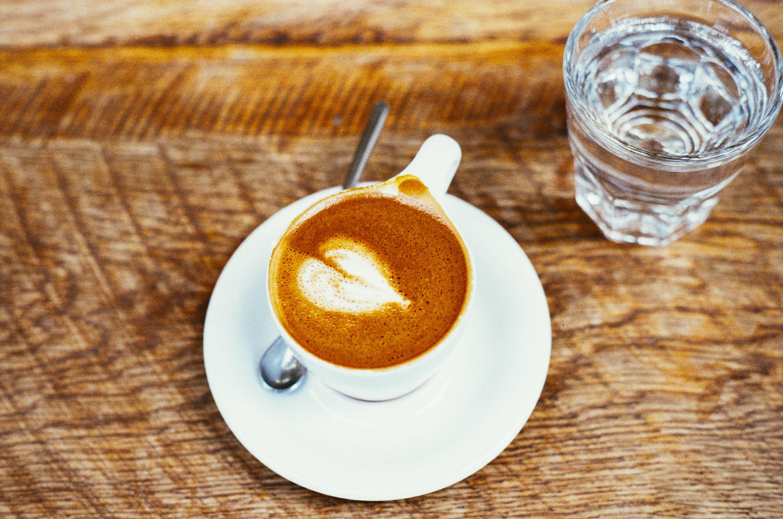 Кофе и вода картинка