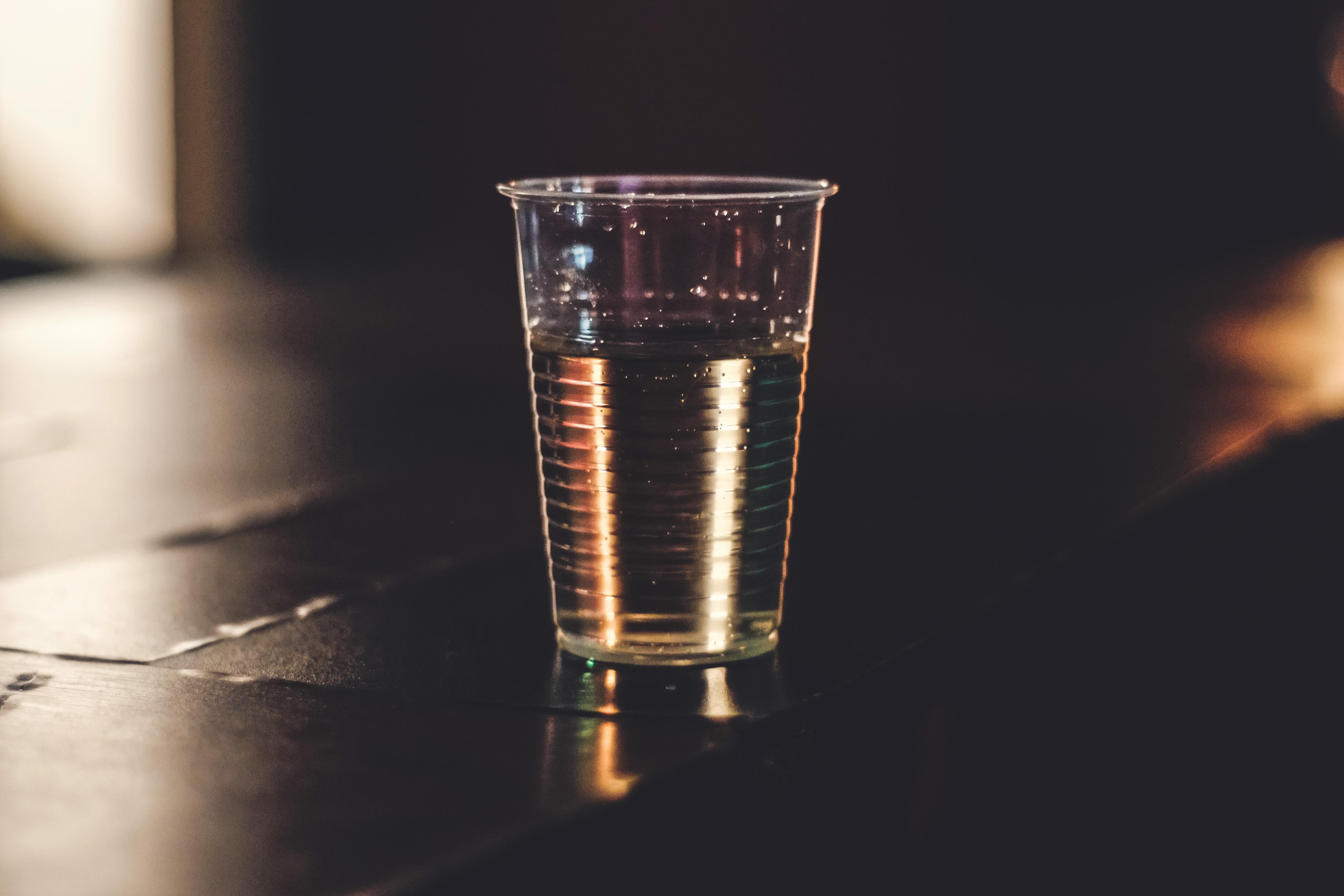 beber agua en la noche